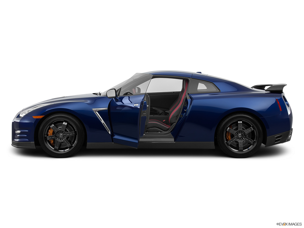 2015 Nissan Gt R Nismo Coupe Driver S Side Profile With