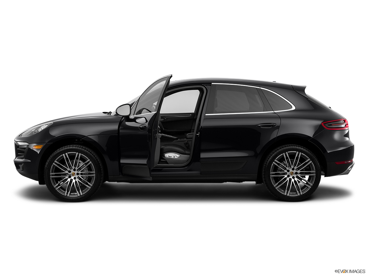 2015 porsche macan awd 4 door turbo drivers side profile with drivers side door open
