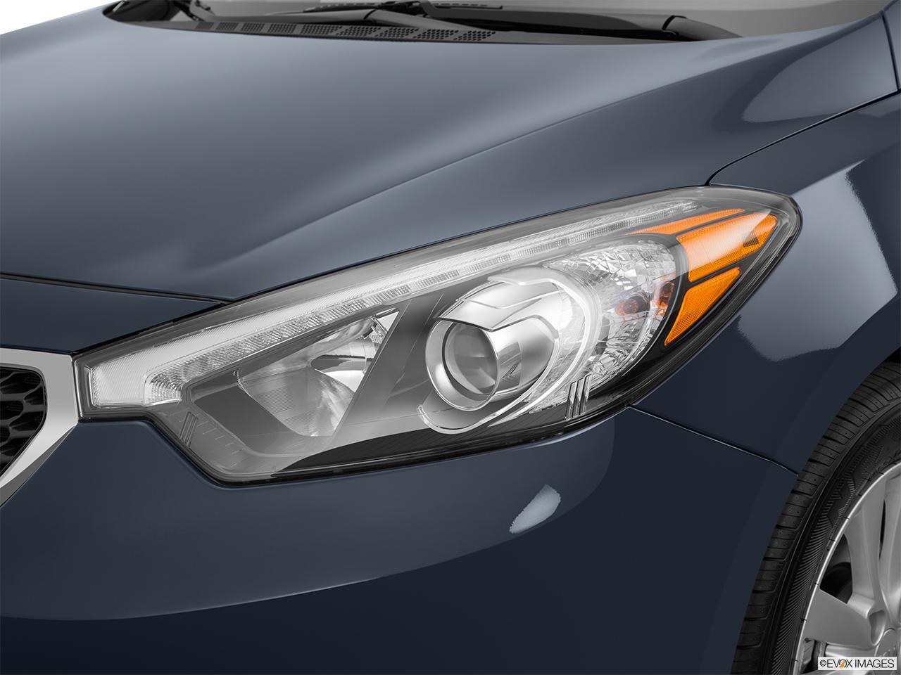 2015 Kia Forte Manual Lx Sedan Front Angle View Headlight Drivers Side