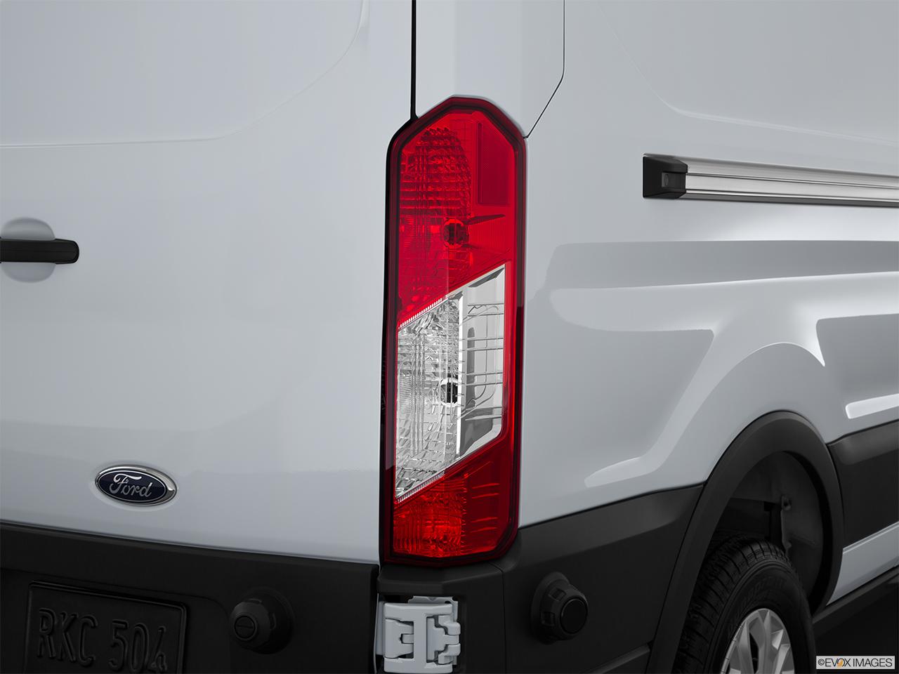 48aaf5fb0b825f 2015 Ford Transit Cutaway T-250 138 9000 GVWR SRW - Passenger Side Taillight