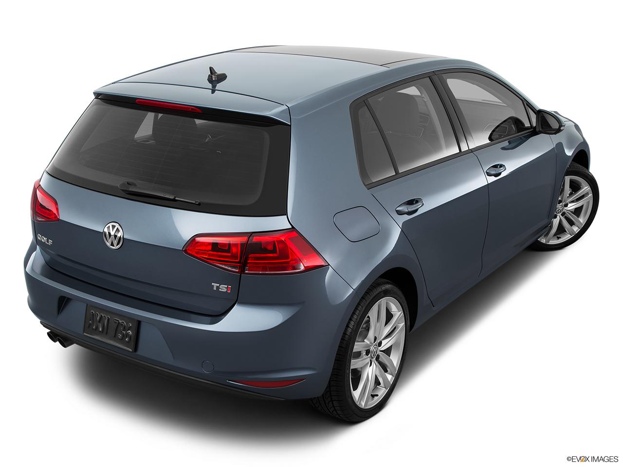 2015 volkswagen golf manual tdi se hatchback front angle view rh carnow com 1997 Volkswagen Golf Volkswagen Golf GTI VR6