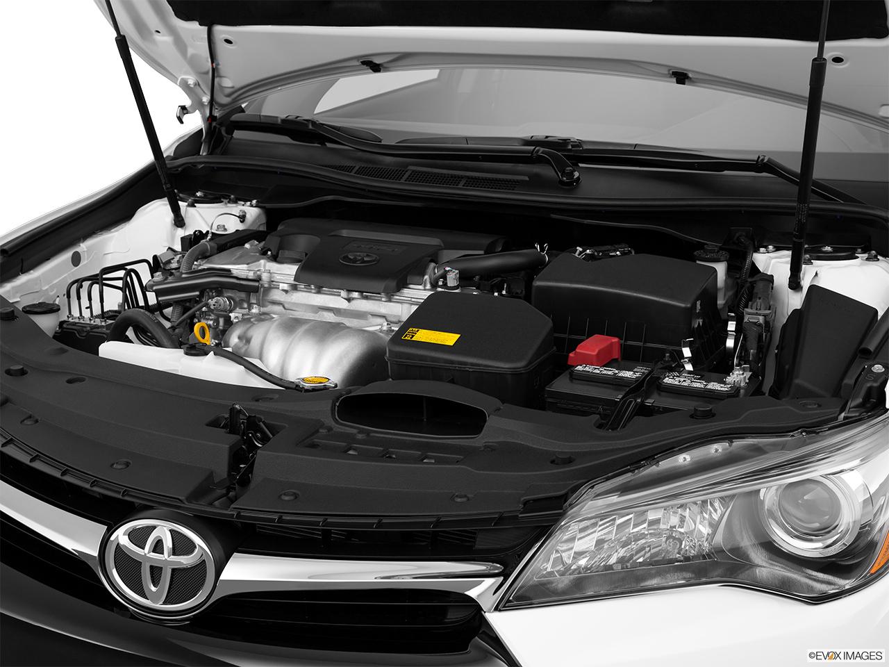 2015 Toyota Camry Hybrid 4dr Sedan SE - Engine