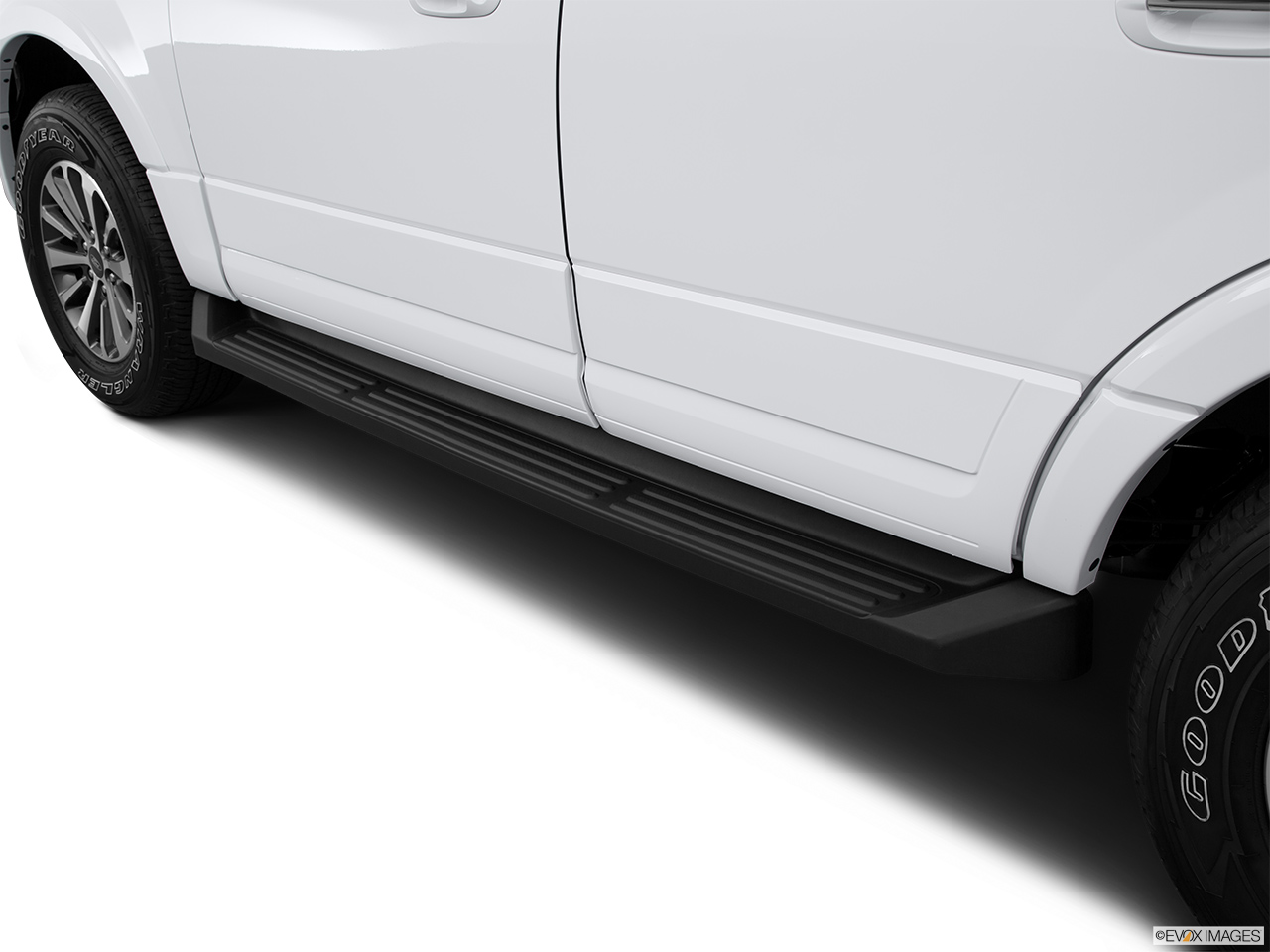 2015 Ford Expedition El 4wd 4 Door Xlt Step Bars And