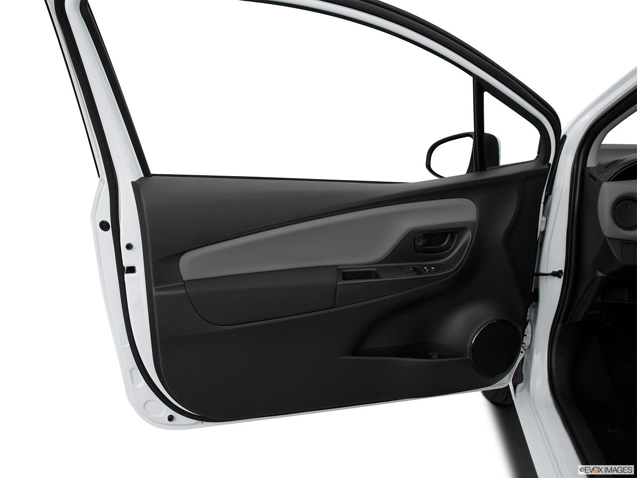 2015 Toyota Yaris 3dr Liftback Automatic Le Inside Of