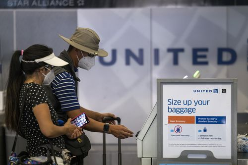 Image for Airlines desperately need people to fly. That's why the top 3 US carriers are dumping change fees