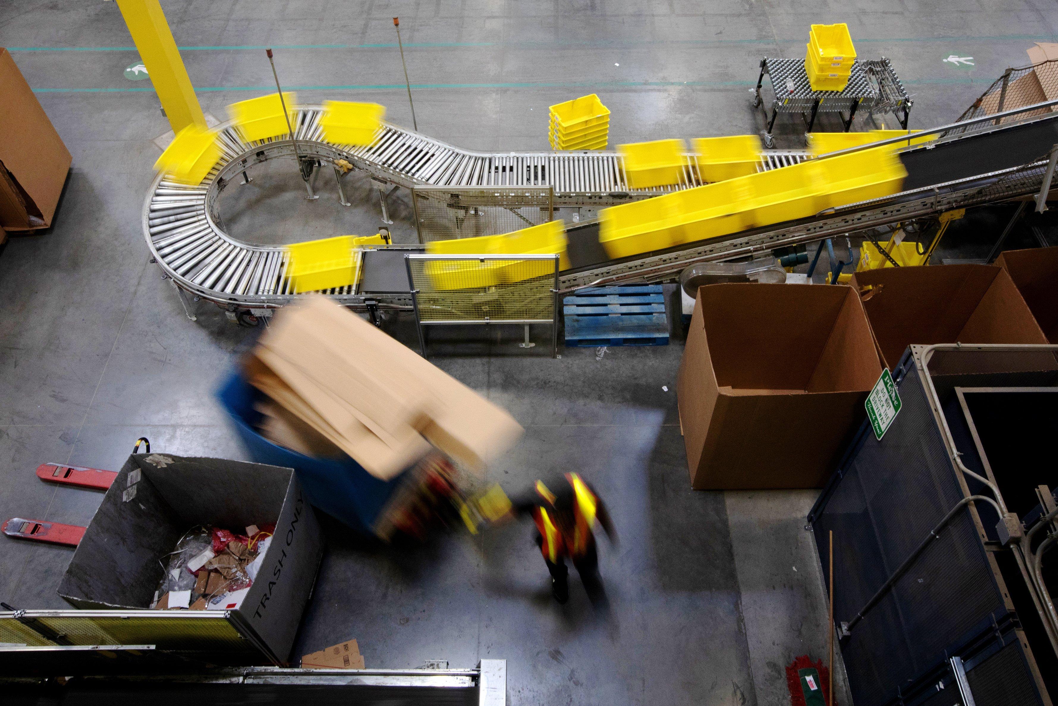 1,000 Amazon employees plan walkout Friday, saying company's climate pledge isn't enough