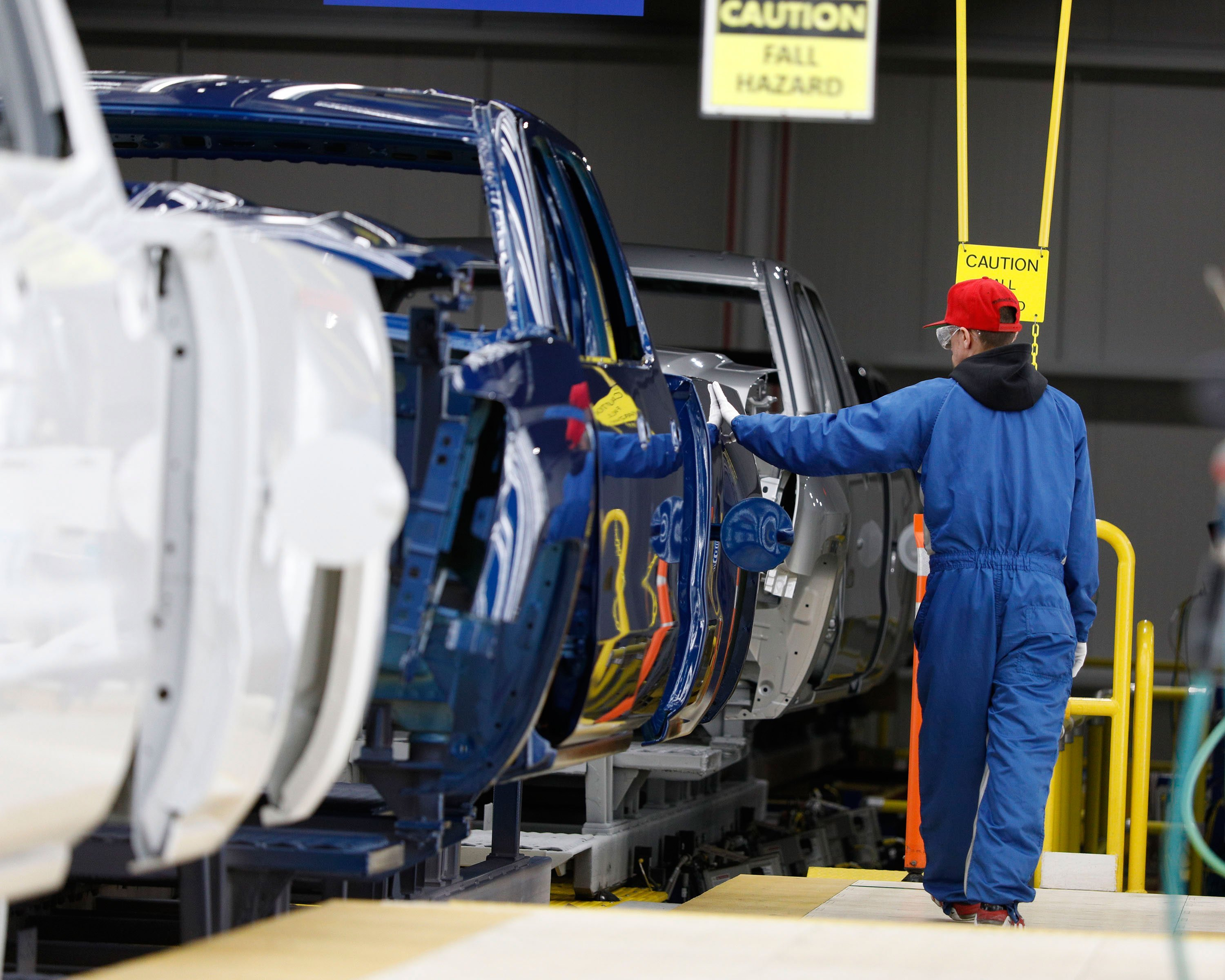 Auto workers union says it will strike against GM at midnight