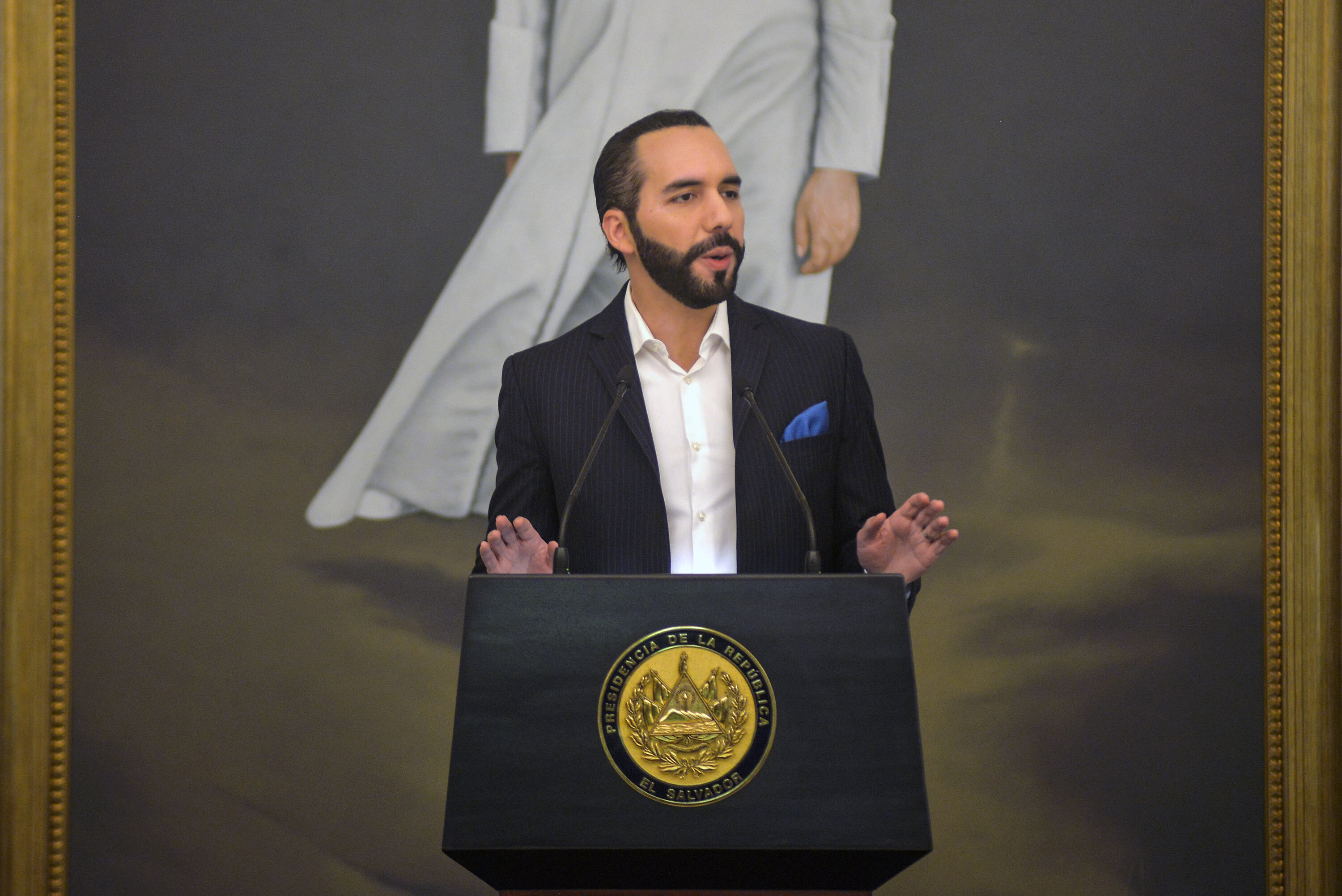 El Salvador buys bitcoin as the digital currency becomes legal tender