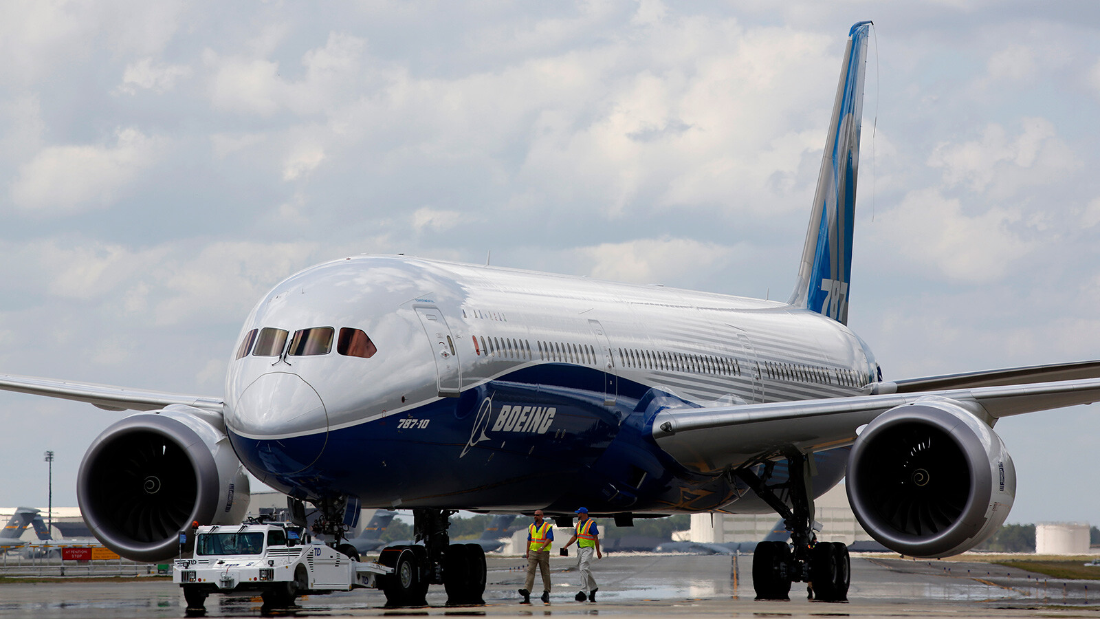 Boeing discloses a new problem with the 787 Dreamliner