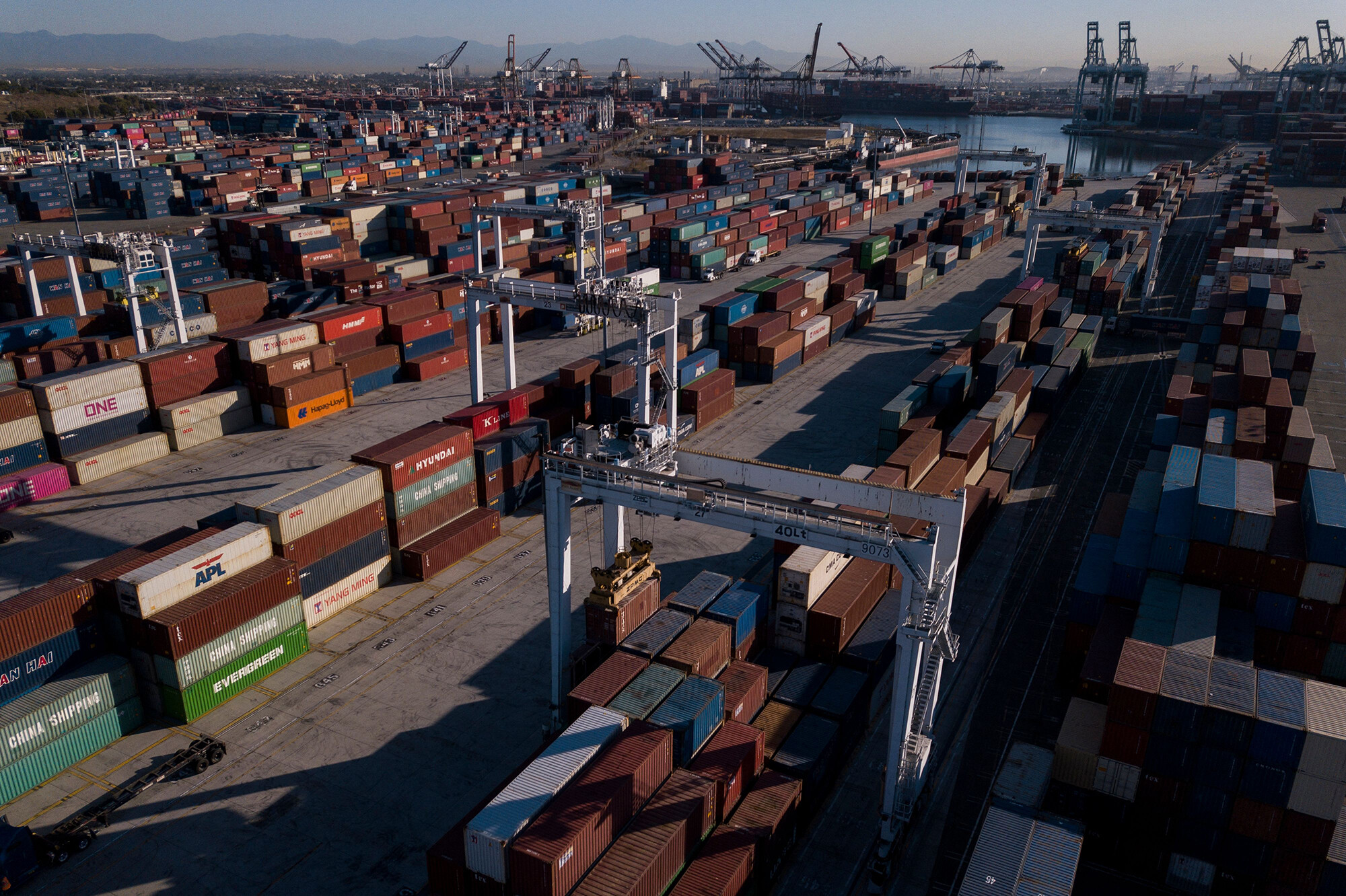 New executive order aims to alleviate congestion at California's ports