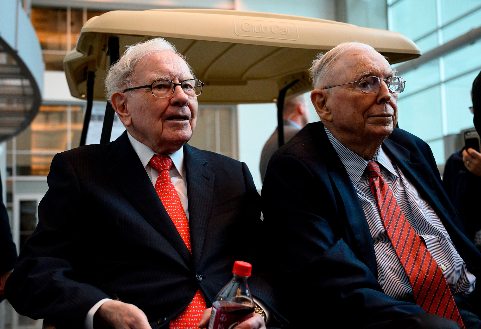 Buffett pal Charlie Munger is doubling down on Alibaba bet