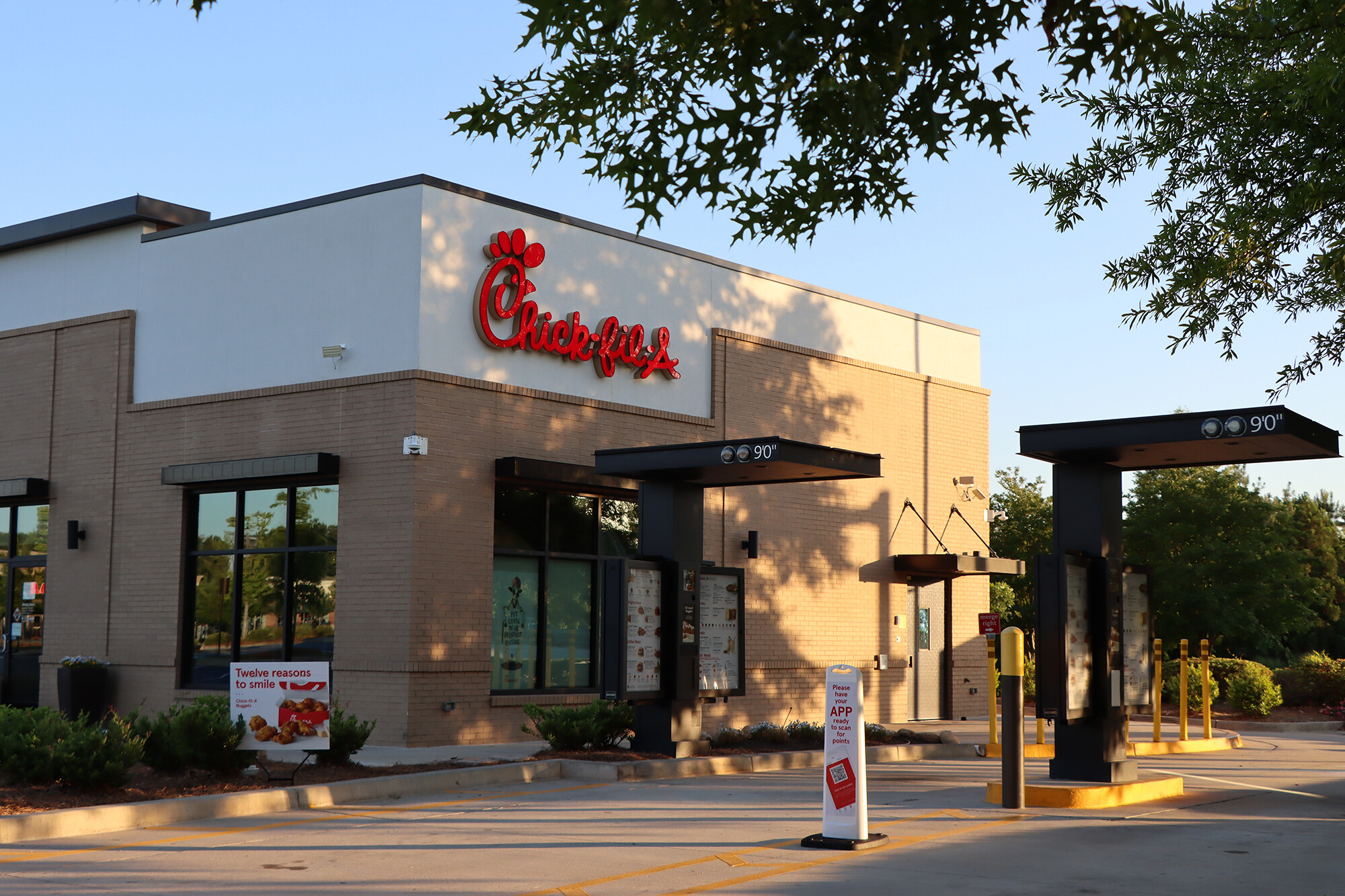 These four Chick-fil-A locations closed their dining rooms because they didn't have enough workers