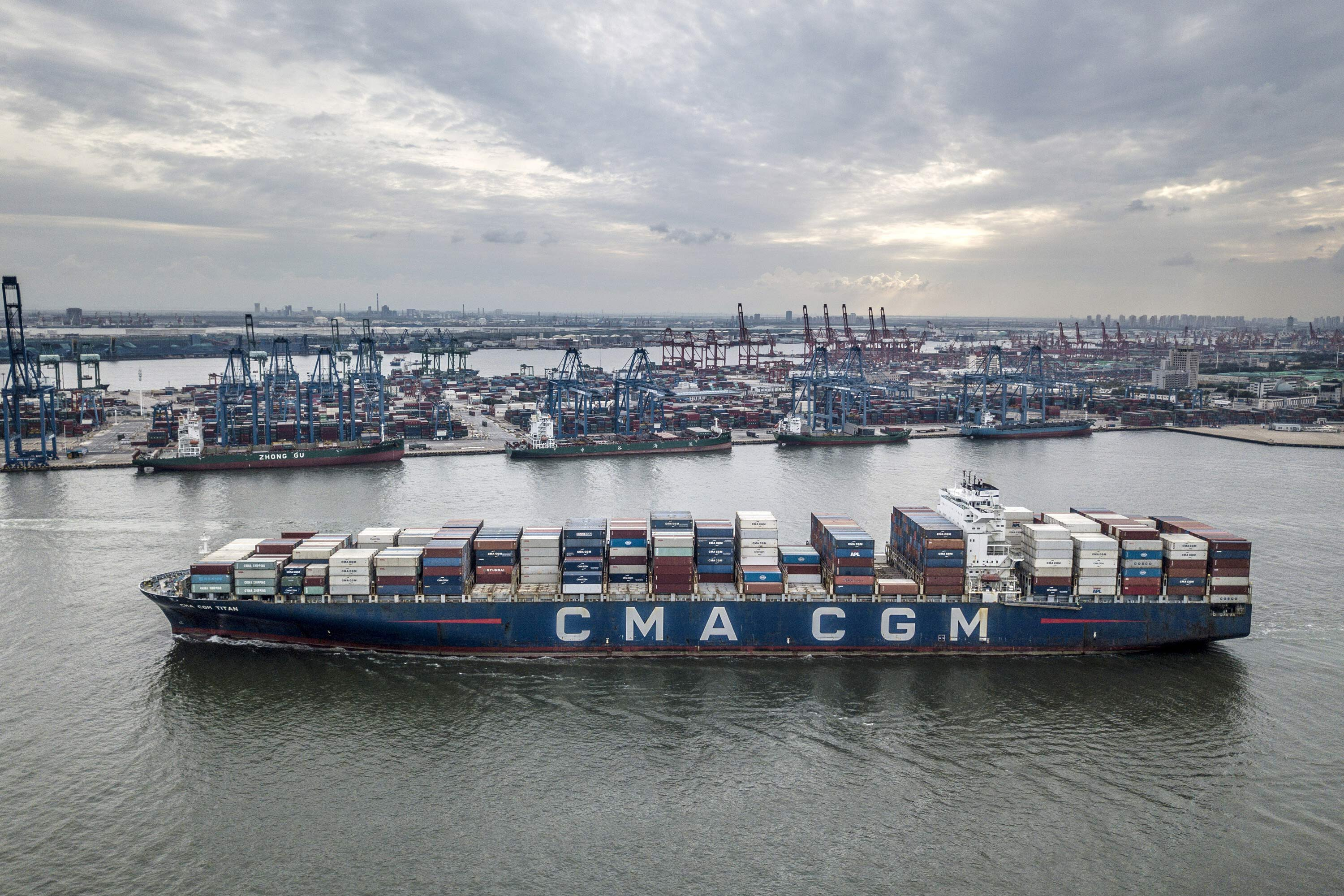 China's trade hit record levels last month despite the global shipping crisis