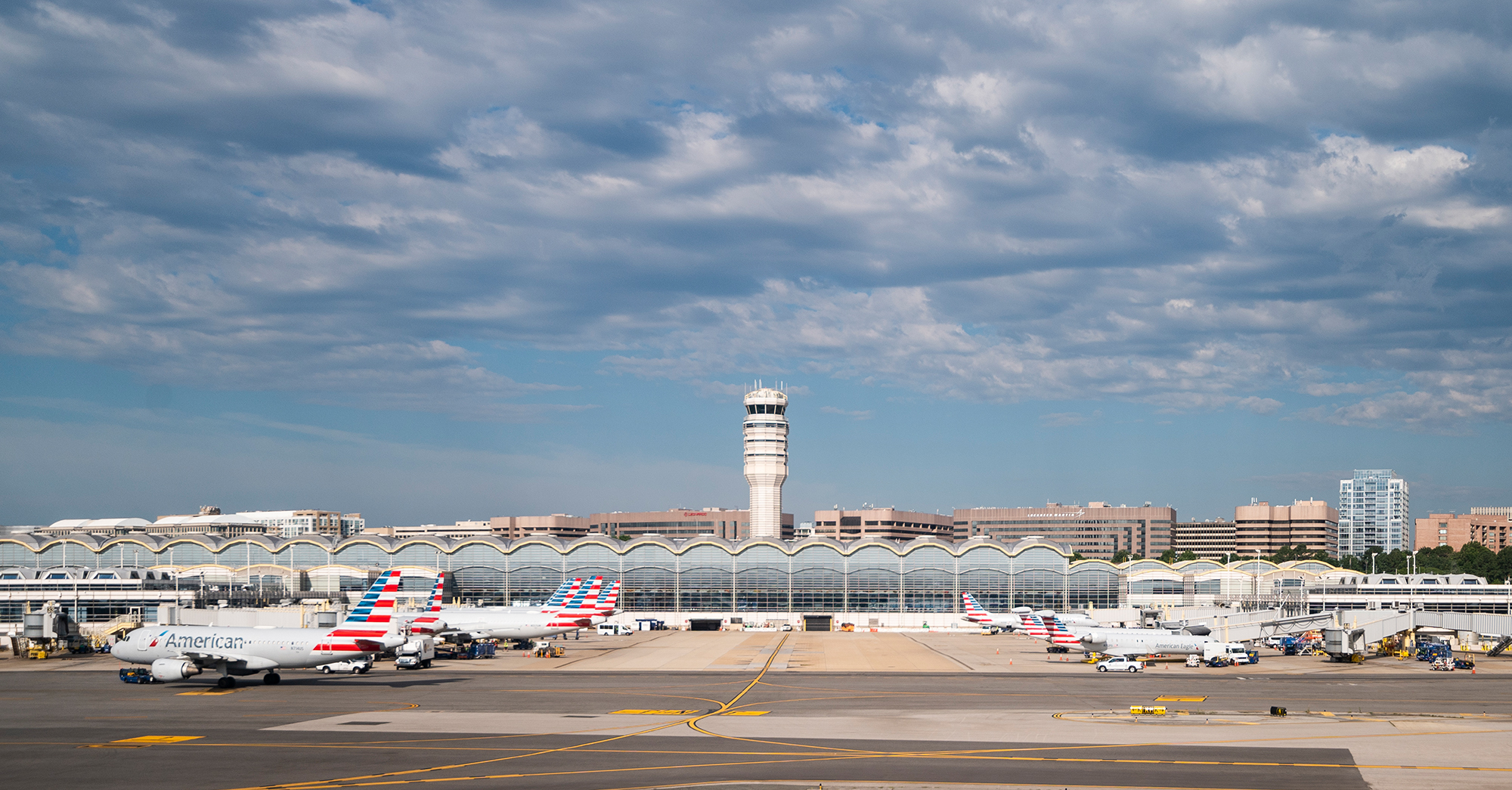 FAA's new cleaning methods at air traffic towers aim to curb flight delays
