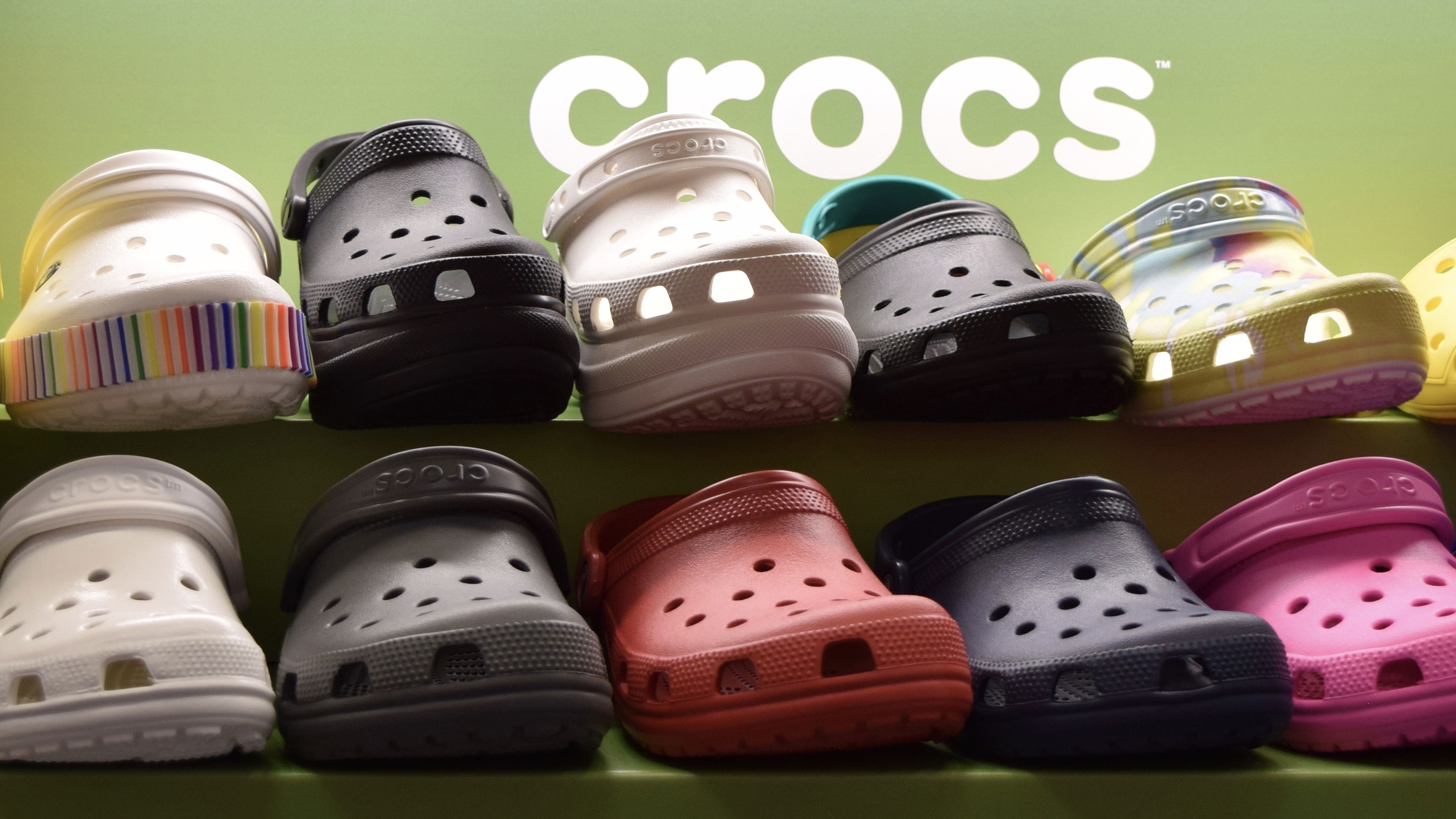 Crocs is once again donating its shoes to healthcare workers