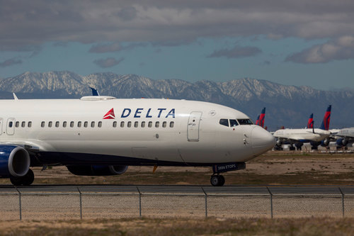 Image for Delta and United extend mileage plan benefits for customers unable to fly because of coronavirus