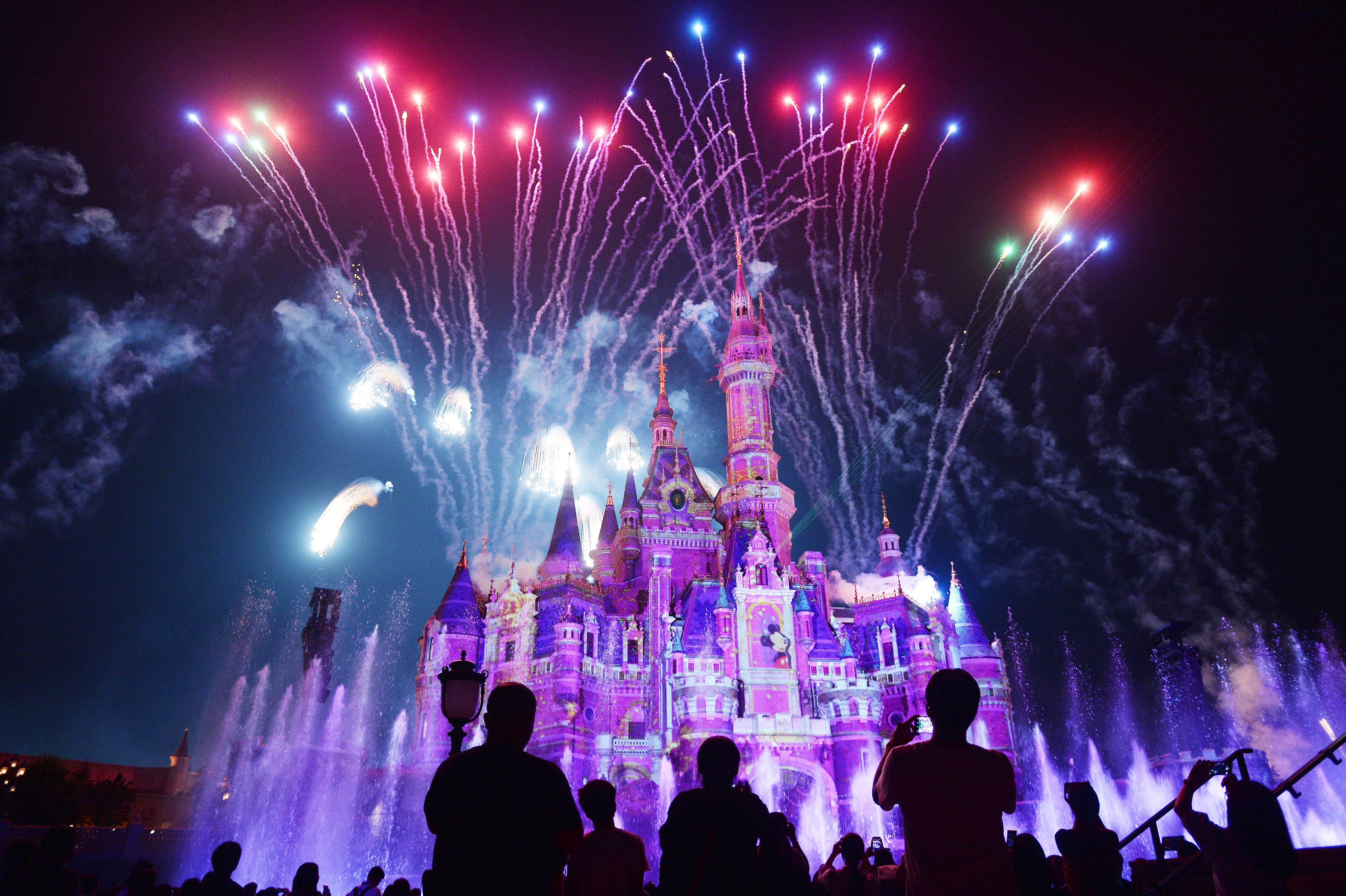 Disney closes Shanghai park as deadly coronavirus spreads