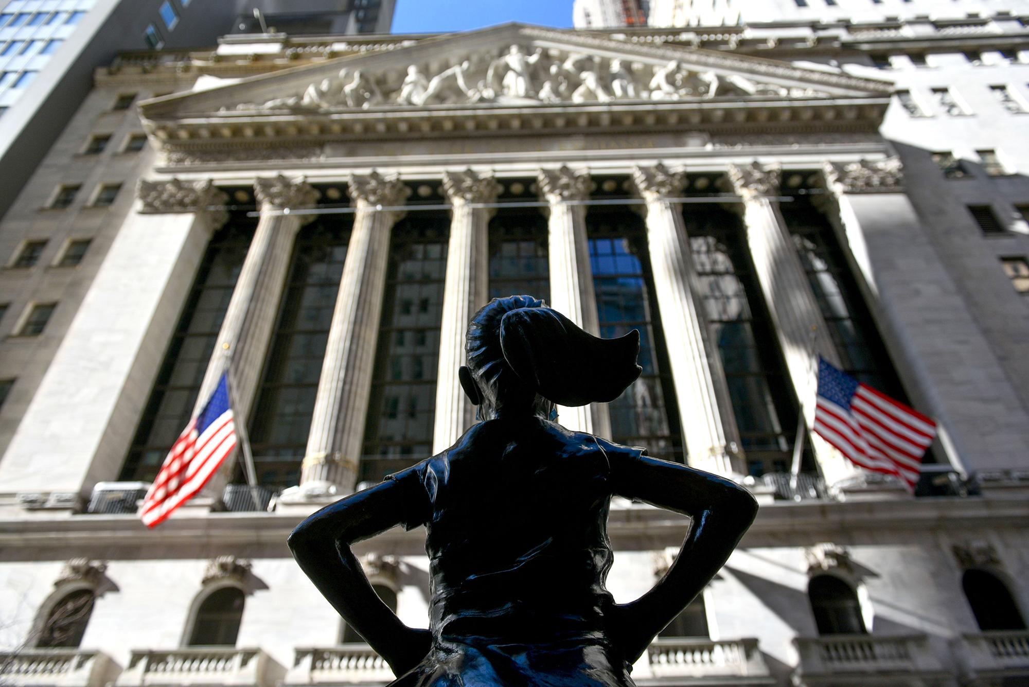 Stocks fall despite solid jobs report
