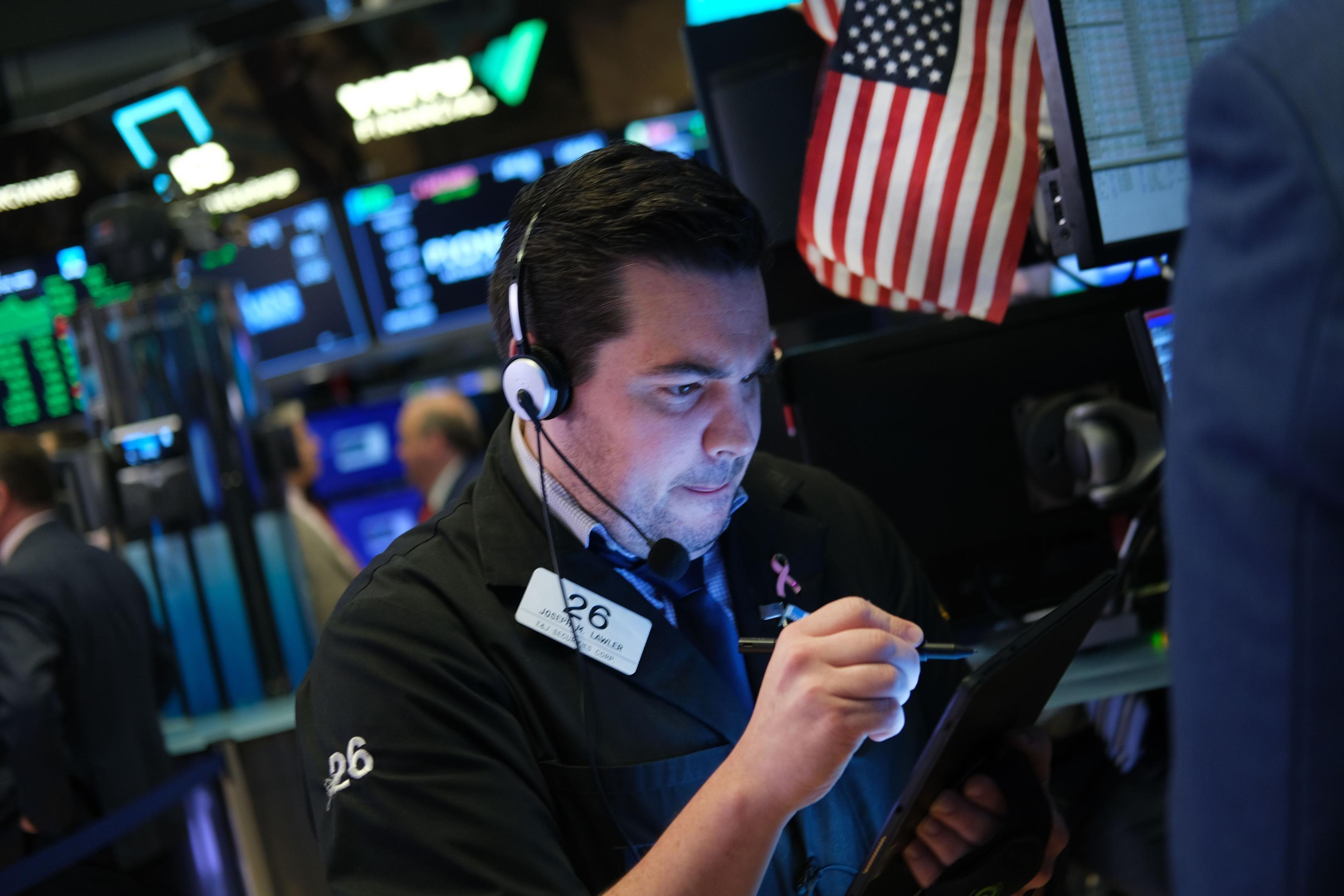S&P 500 snaps five-day winning streak