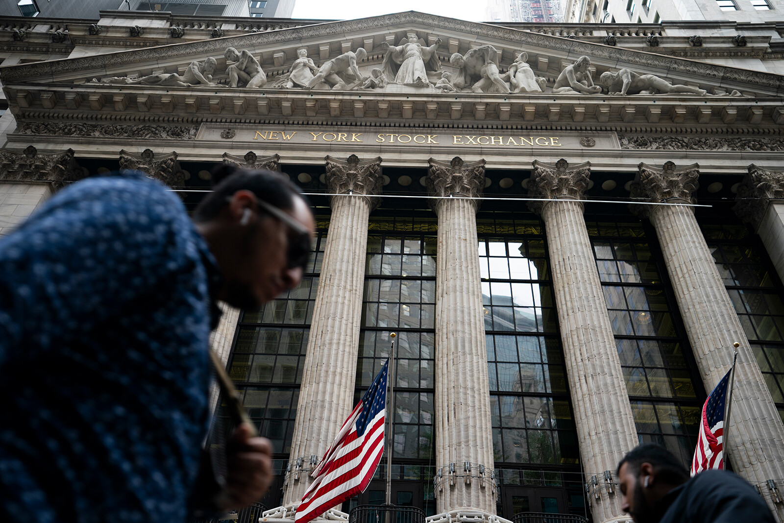 Stocks tumble on inflation and debt ceiling worries