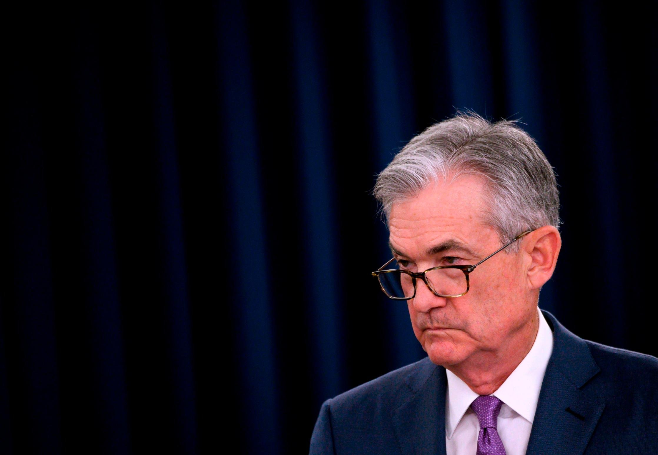 Fed officials sought rate flexibility amid conflicting economic signals, minutes show