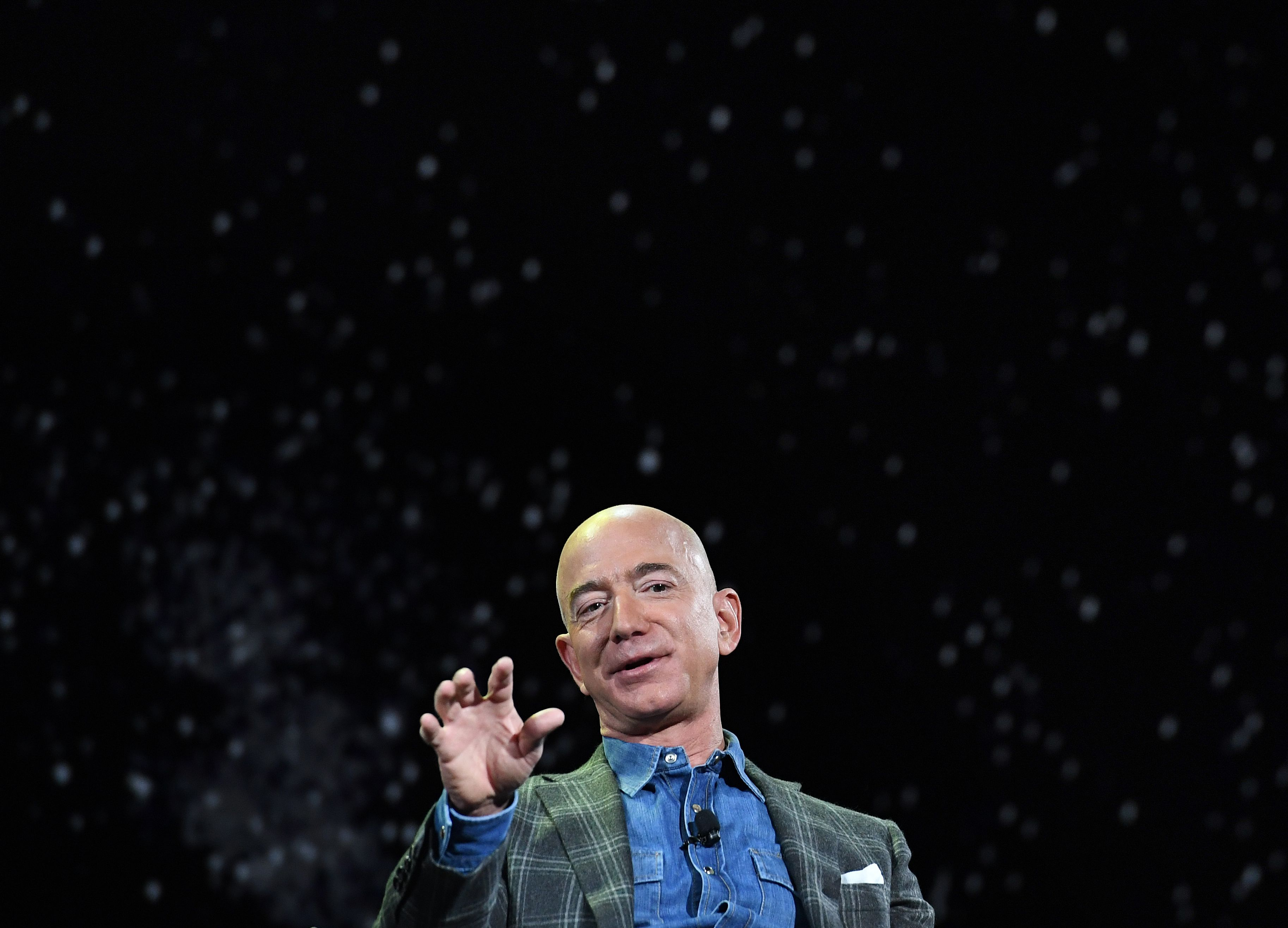 Jeff Bezos tops Forbes list of billionaires, again
