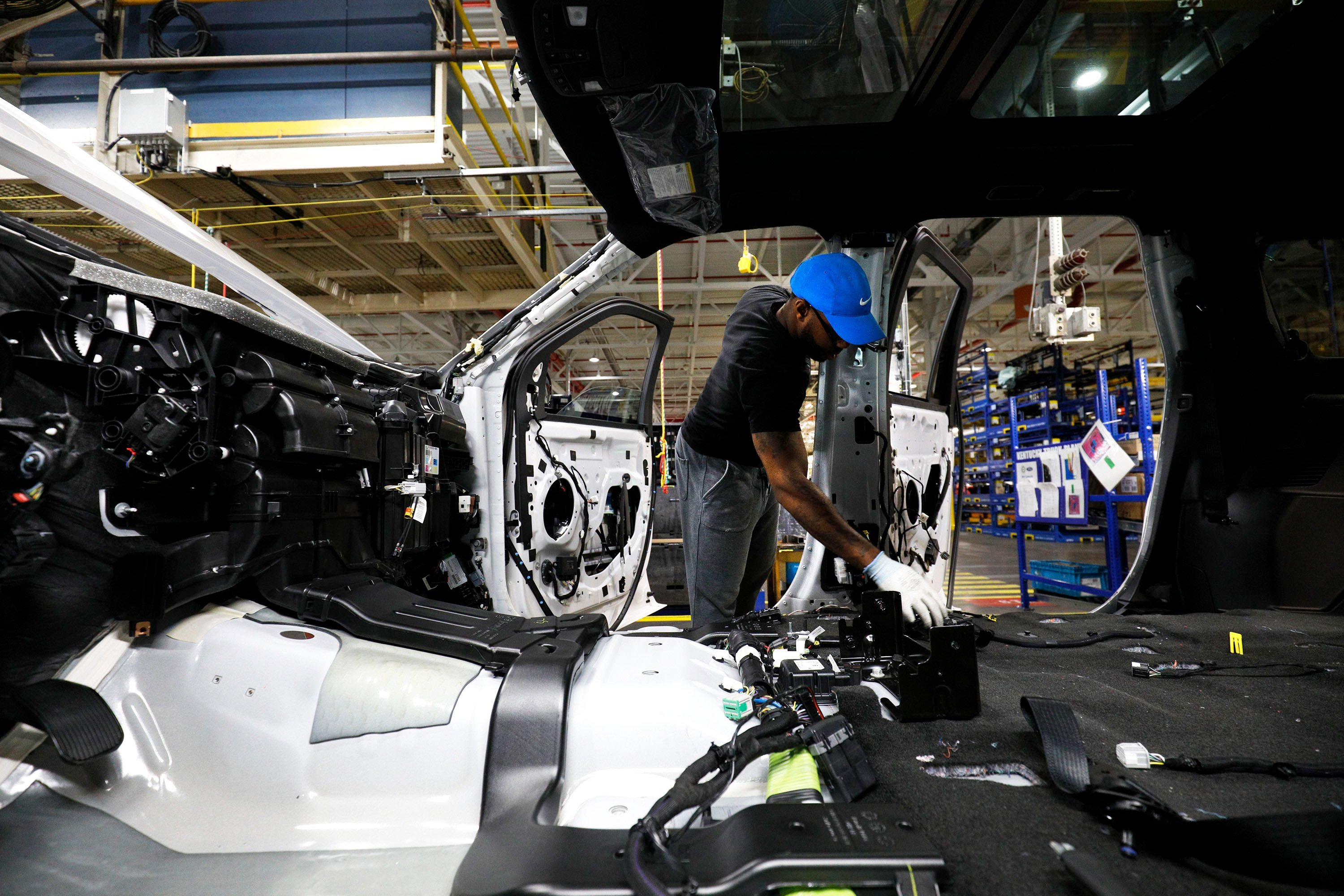 Ford workers appear set to approve labor deal