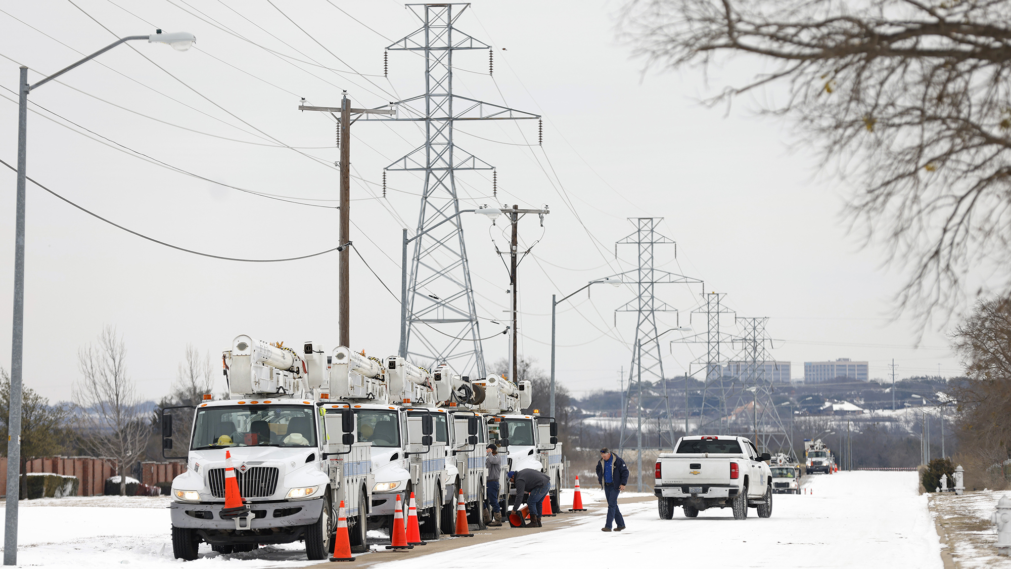 As Texas went dark, Fox News blamed windmills