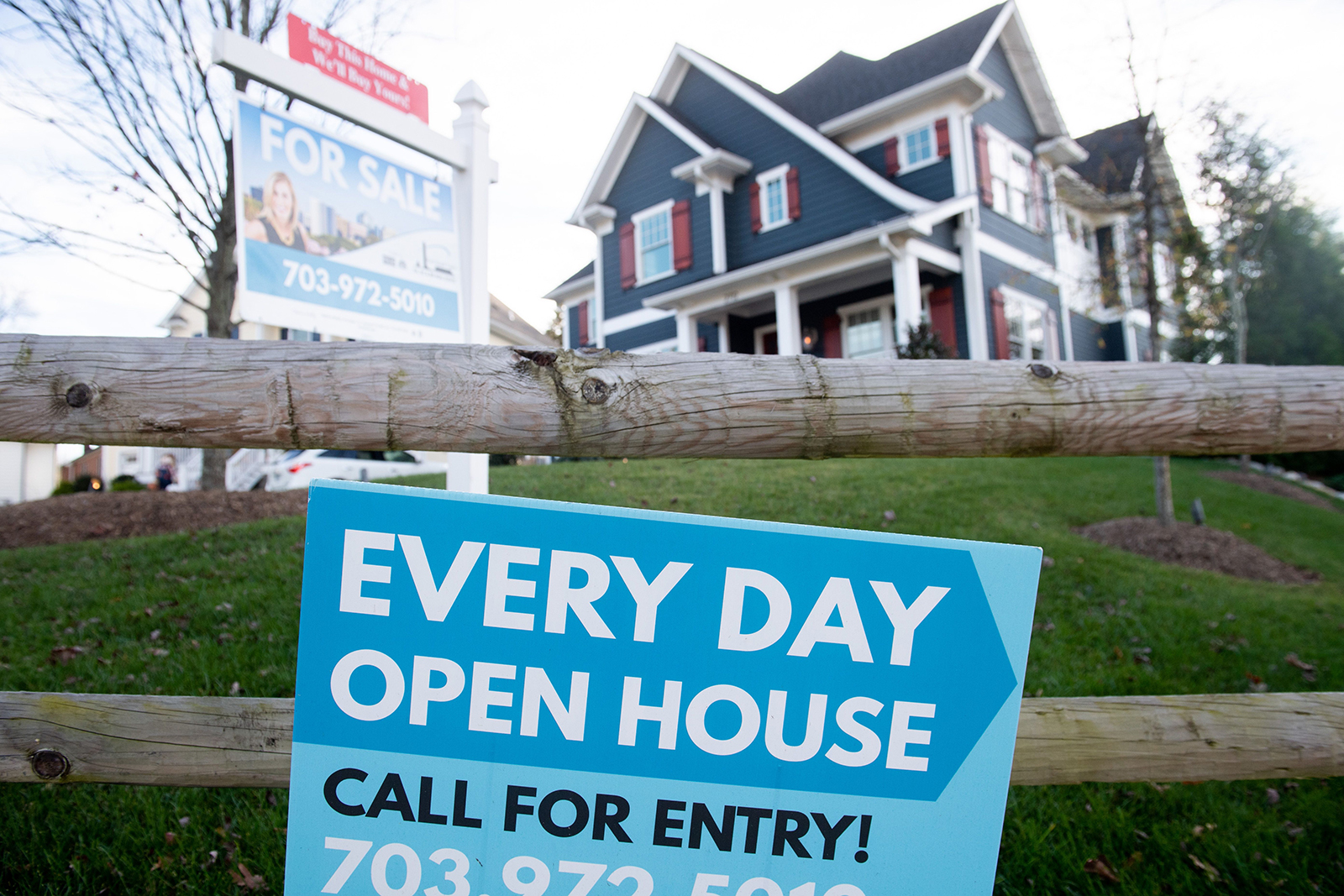Two big reasons investors are worried about the housing market