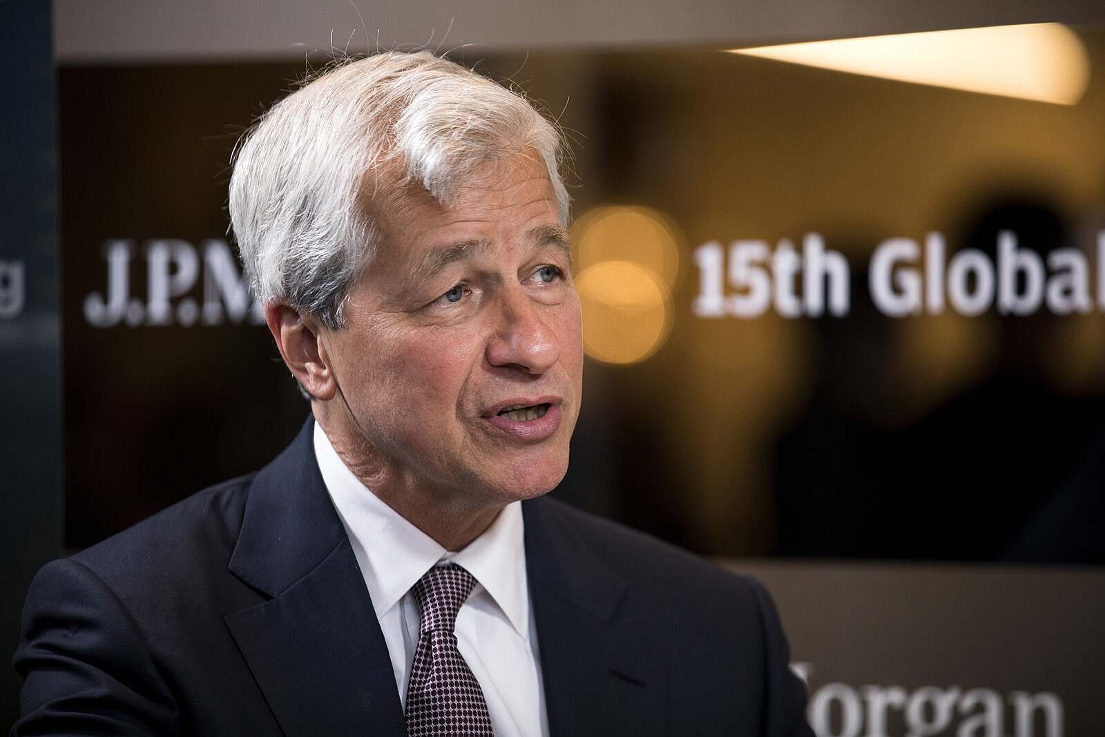 Jamie Dimon awarded hundreds of millions of dollars to stay at JPMorgan for the foreseeable future