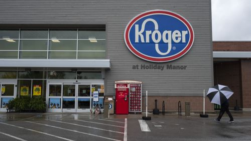 Image for Kroger to Pay Workers $100 if They Get the Covid-19 Vaccine