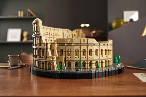 Image for Lego rolls out Colosseum, a model of the Roman amphitheater with over 9,000 pieces