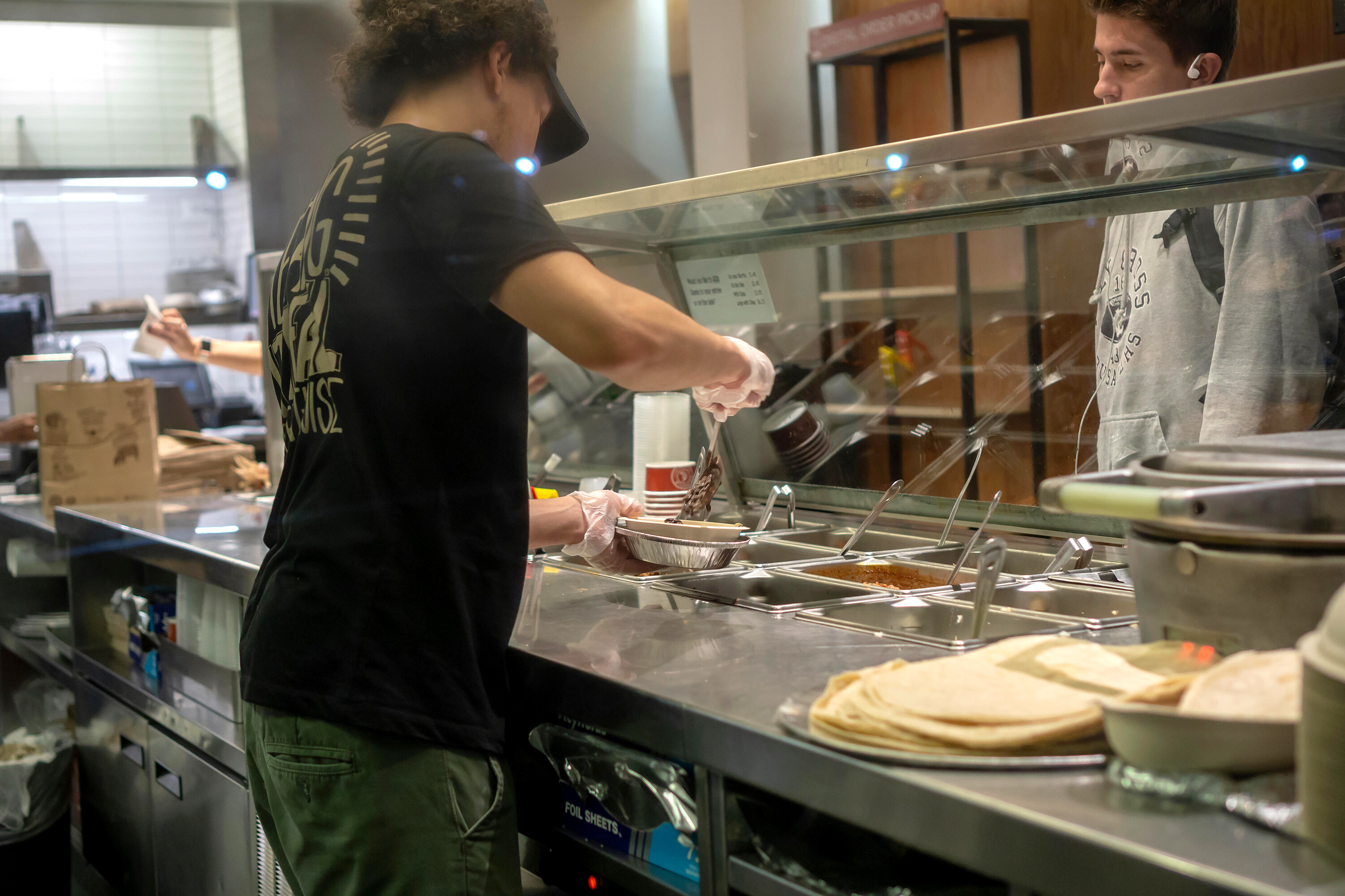 Low-wage workers are getting 'eye-popping' pay raises, Goldman Sachs says