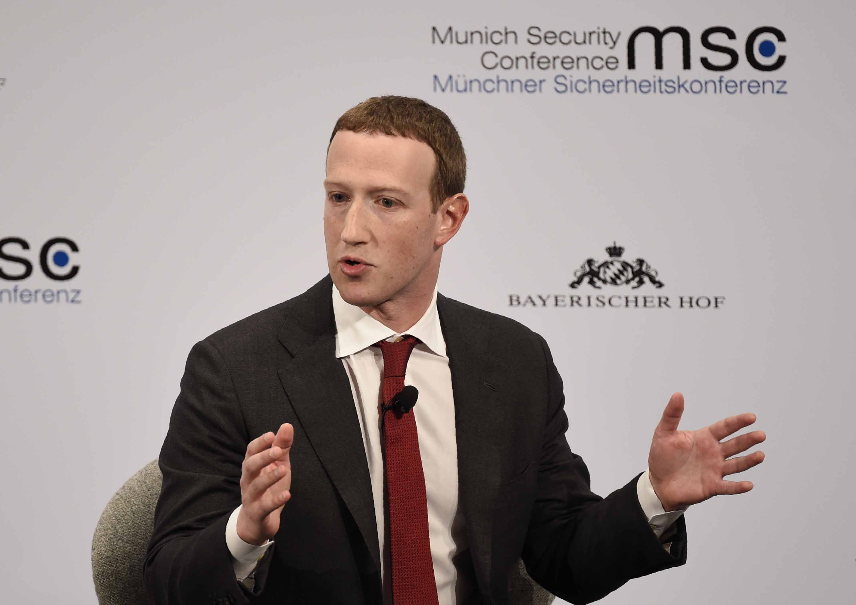 Mark Zuckerberg comes to Europe and asks for more regulation