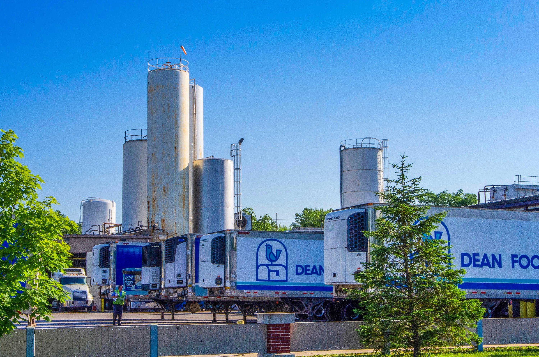 America's milk industry is struggling. Don't blame oat milk