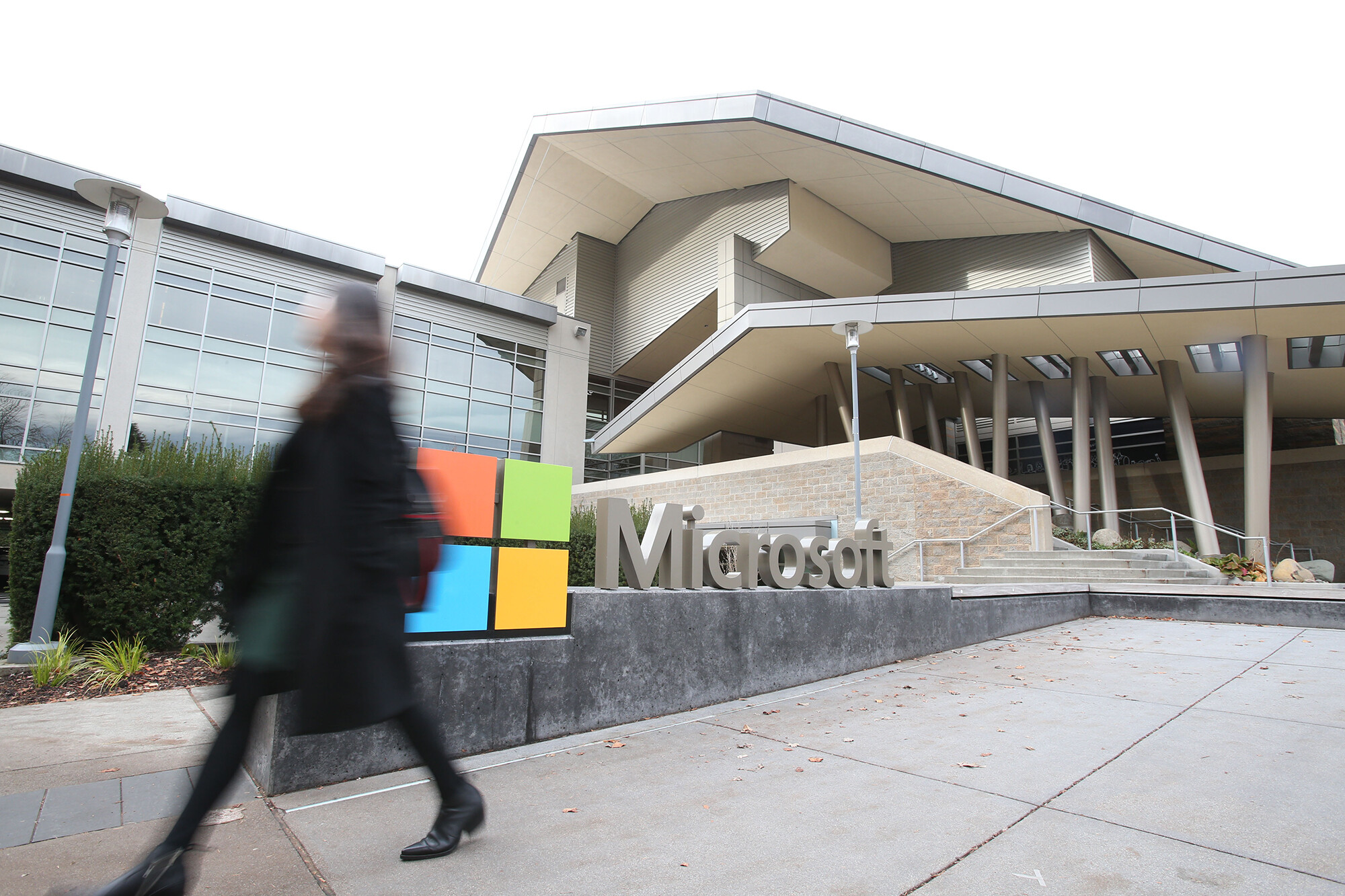 Microsoft to require vaccines for workers at its US offices