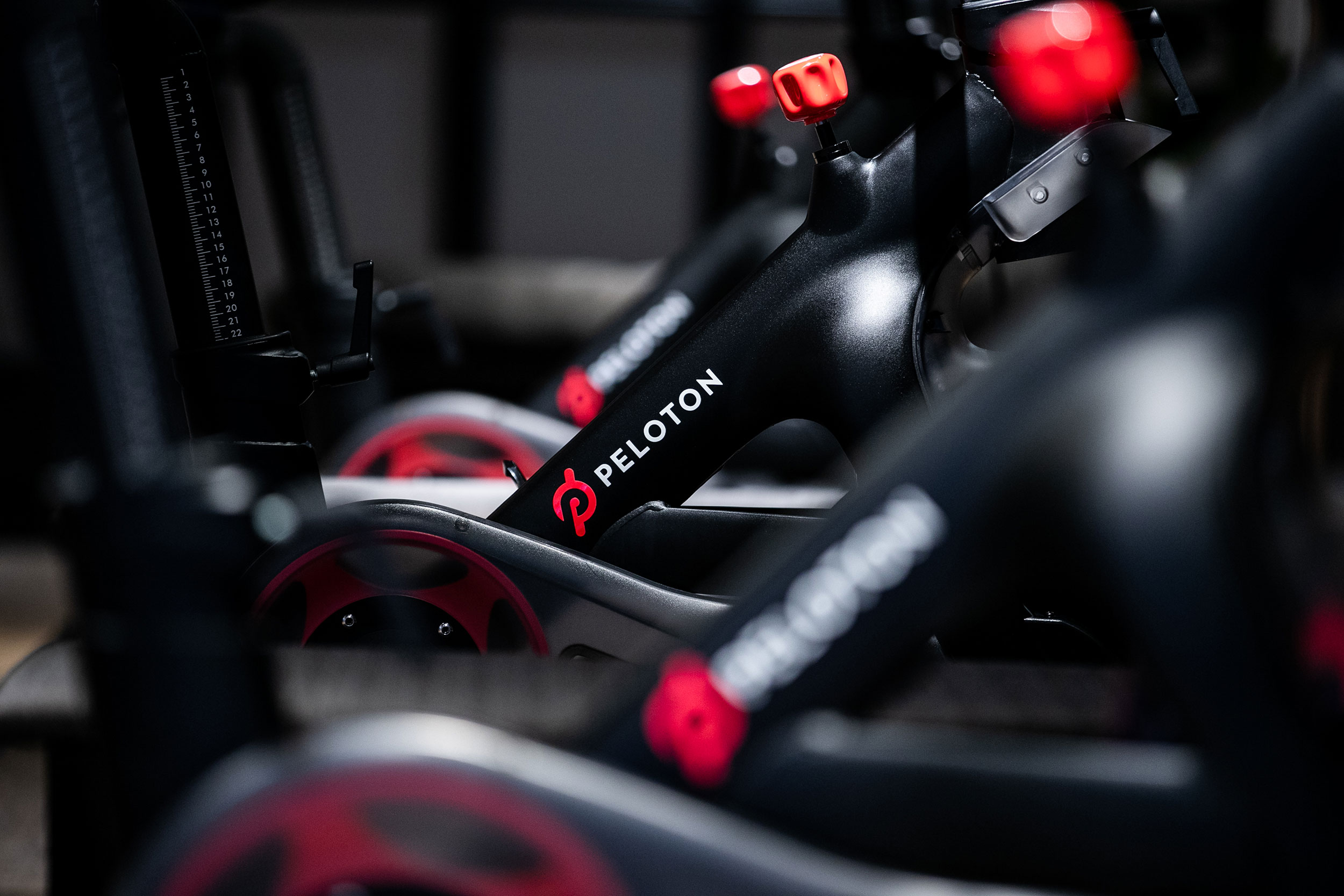 Peloton cancels live video classes for April after employee contracts coronavirus