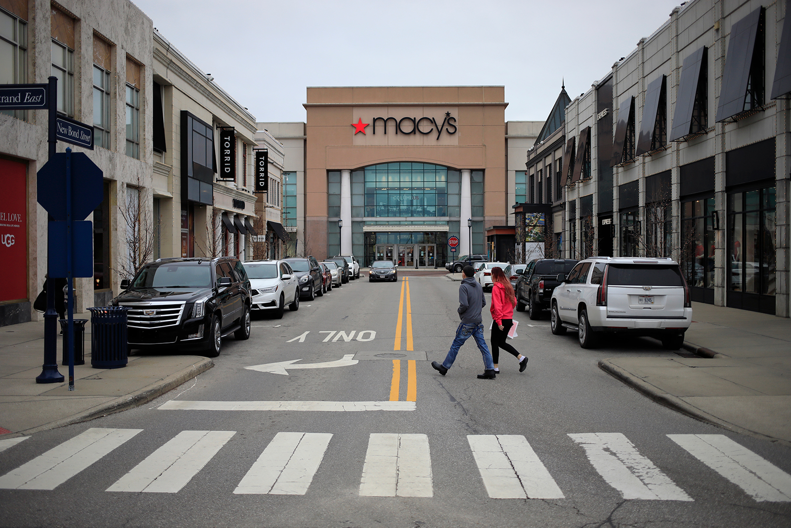Investors are betting on a Macy's revival. Should they be?