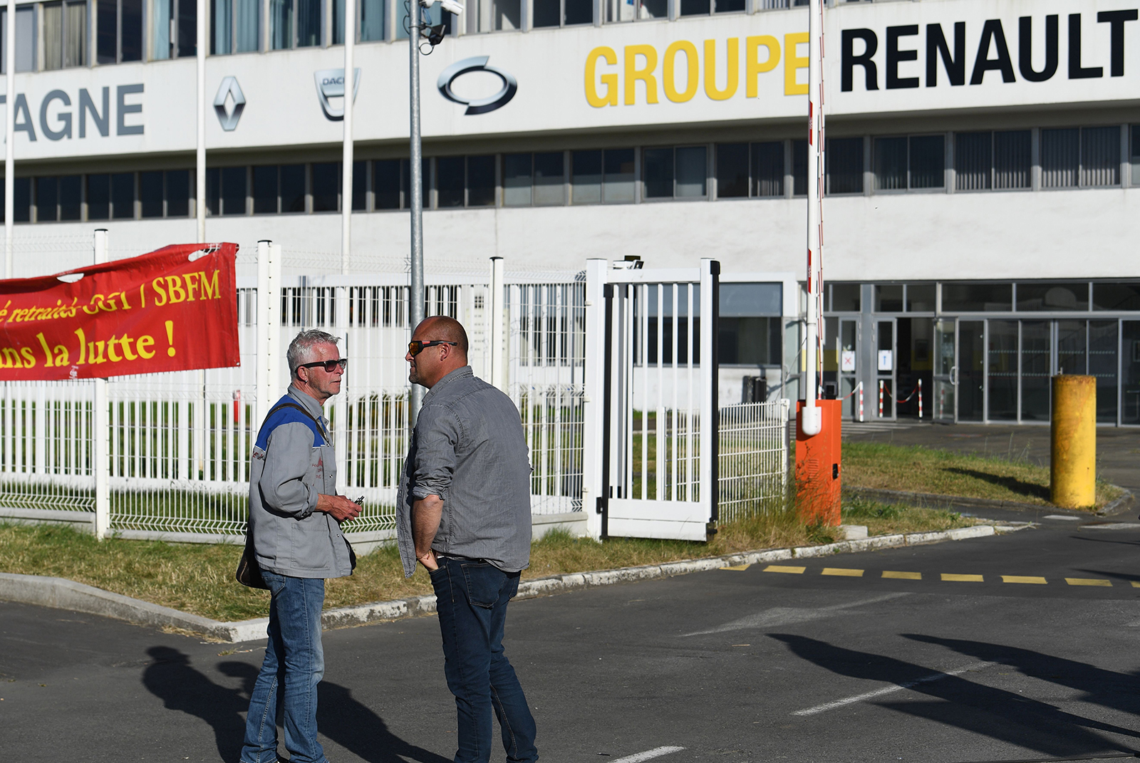 Renault to slash 14,600 jobs as coronavirus wreaks havoc on auto industry