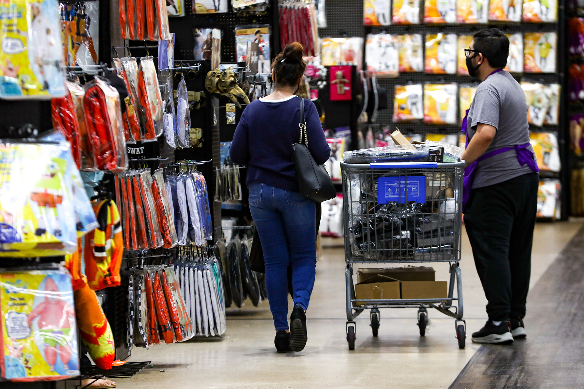 Shoppers are still spending despite rising prices and supply chain woes