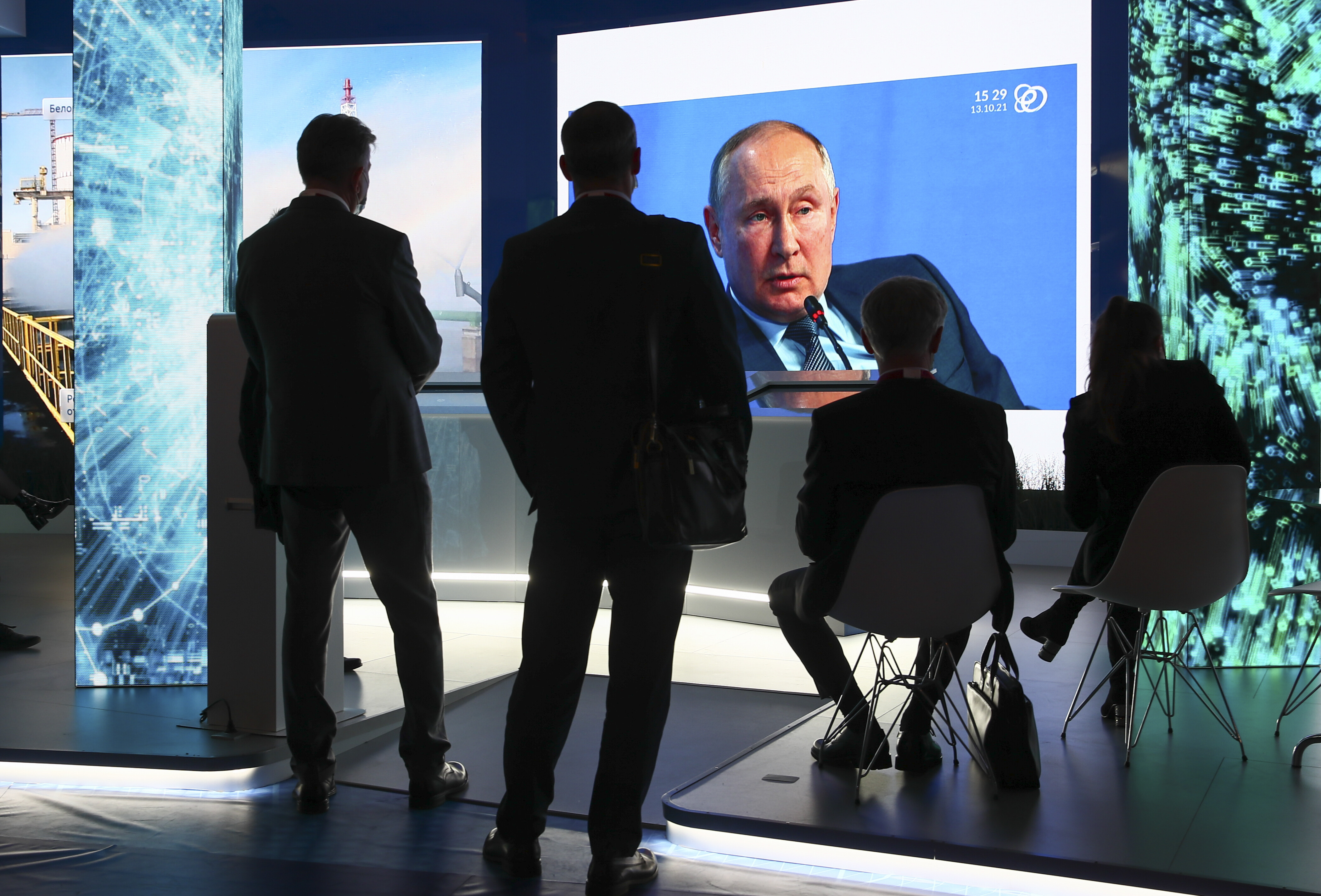 Vladimir Putin says Russia is not using energy as a weapon