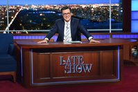 Stephen Colbert signs new 'Late Show' deal through 2023