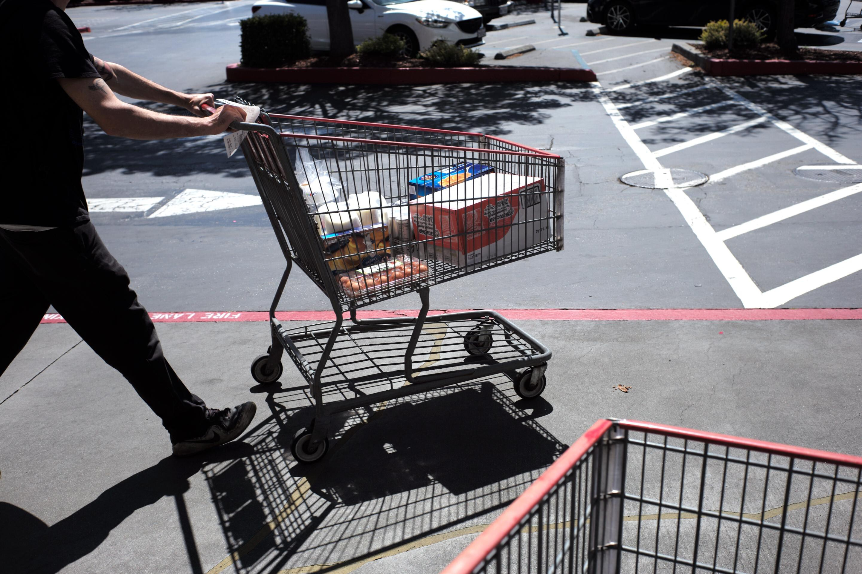 3 things making the American consumer miserable