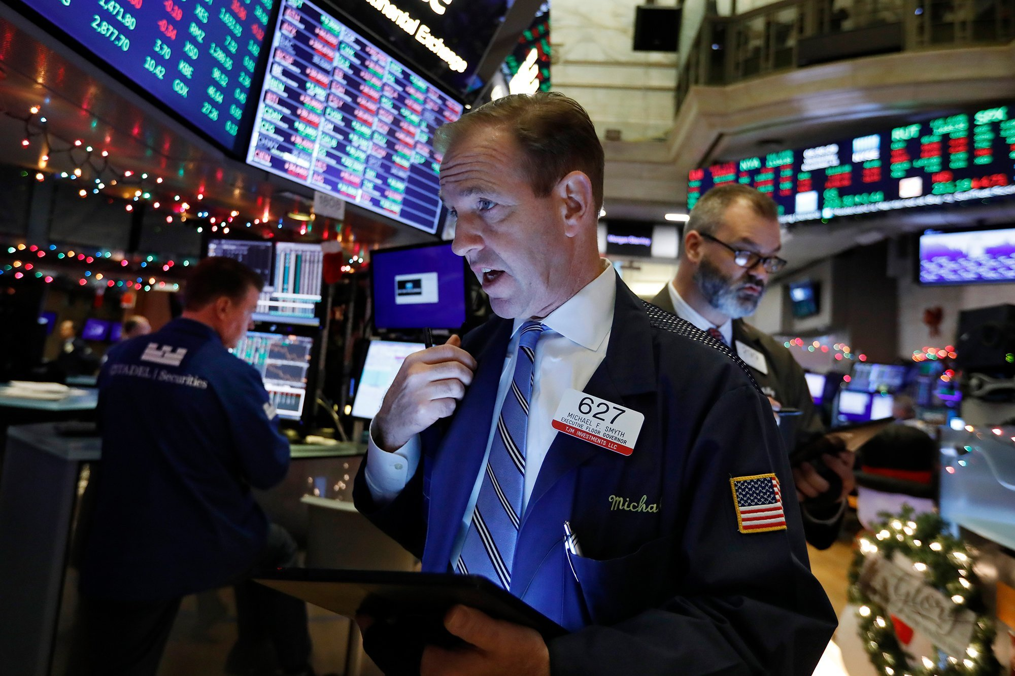 Stocks rally as Trump vows trade deal is close
