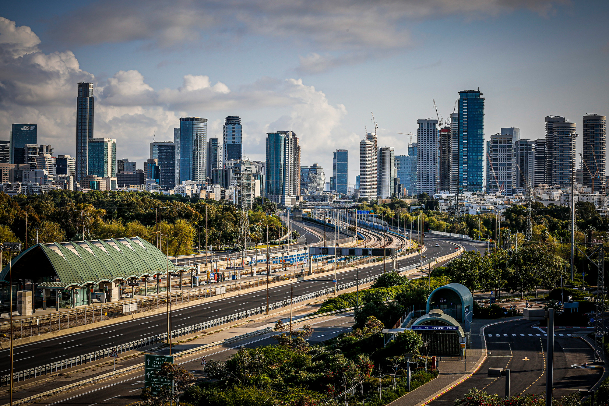 Tel Aviv set to become first city with electric roads that charge public transportation