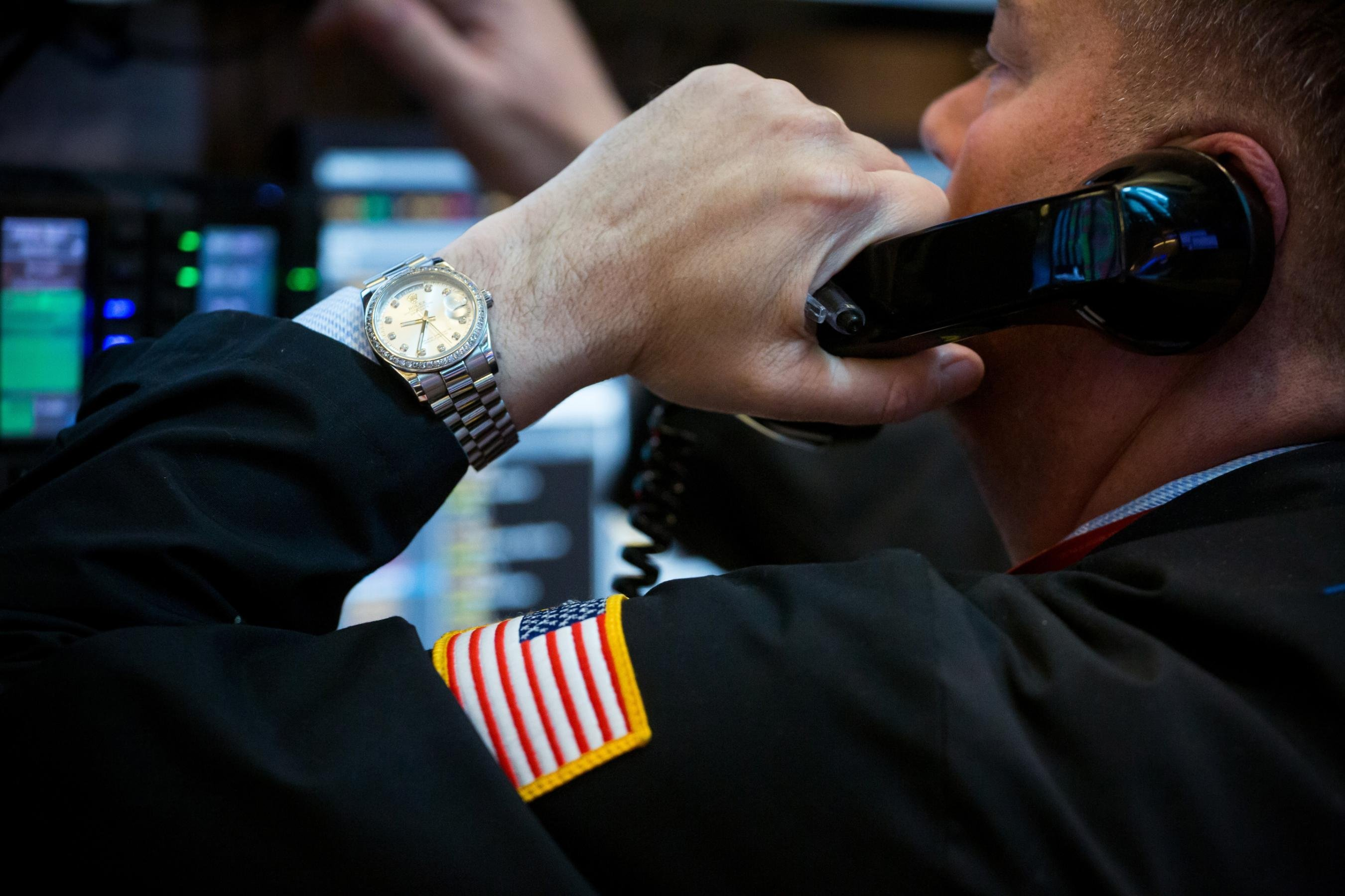 Stocks would rally if Trump quits, Wall Street firm predicts