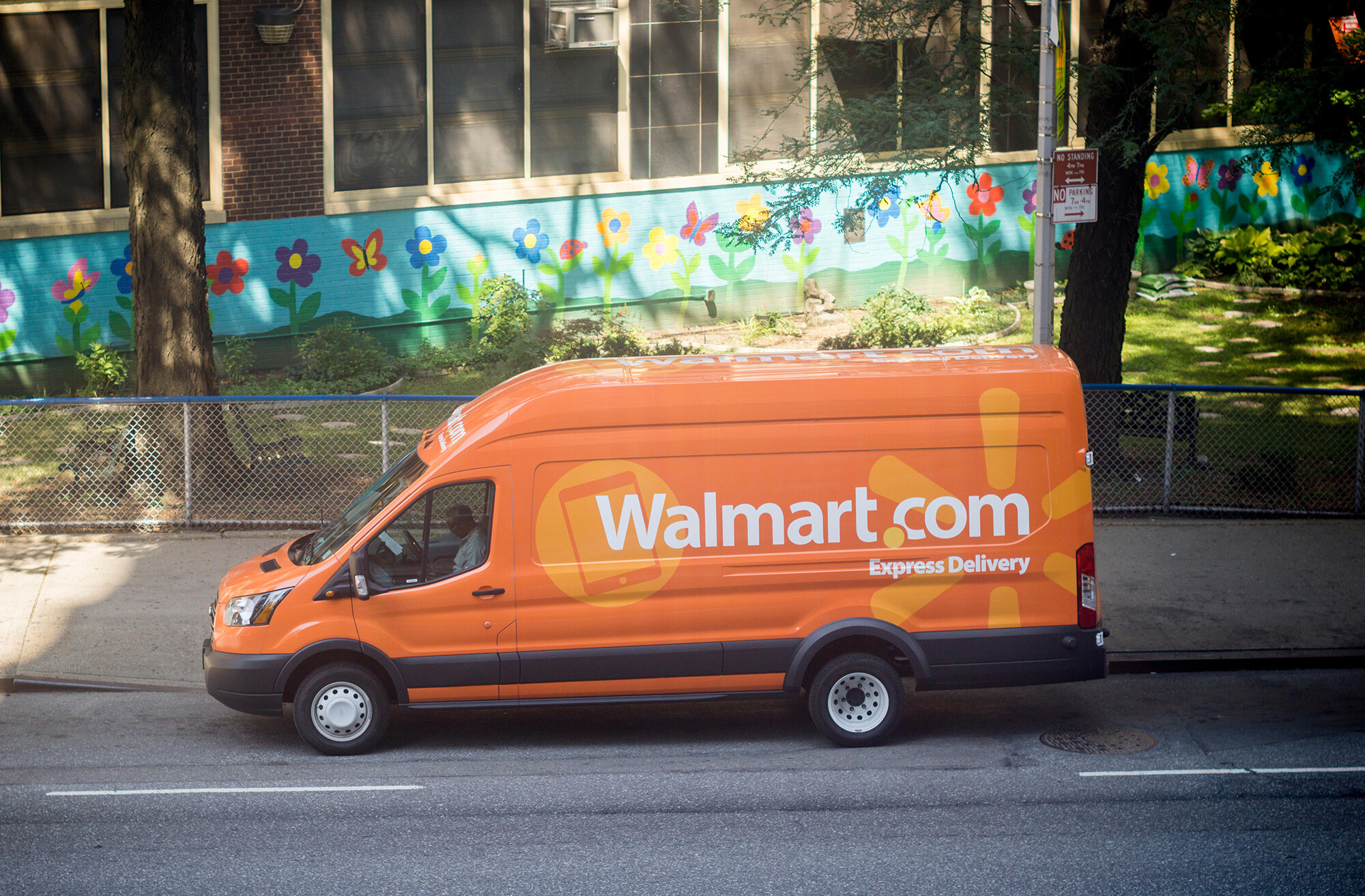 Walmart wants to deliver you stuff, even if you didn't buy it at Walmart