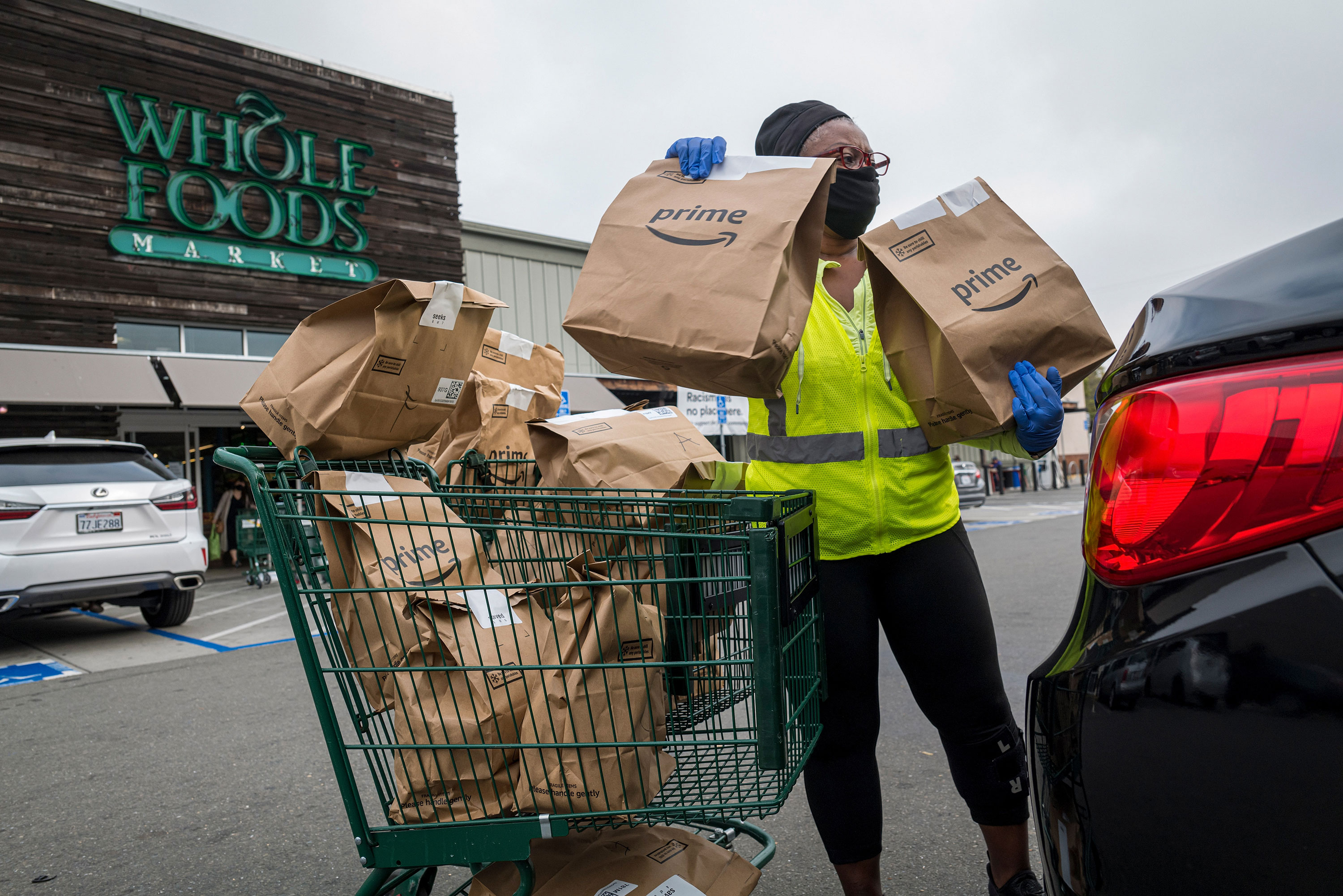 Whole Foods will now get your groceries ready for pickup in one hour
