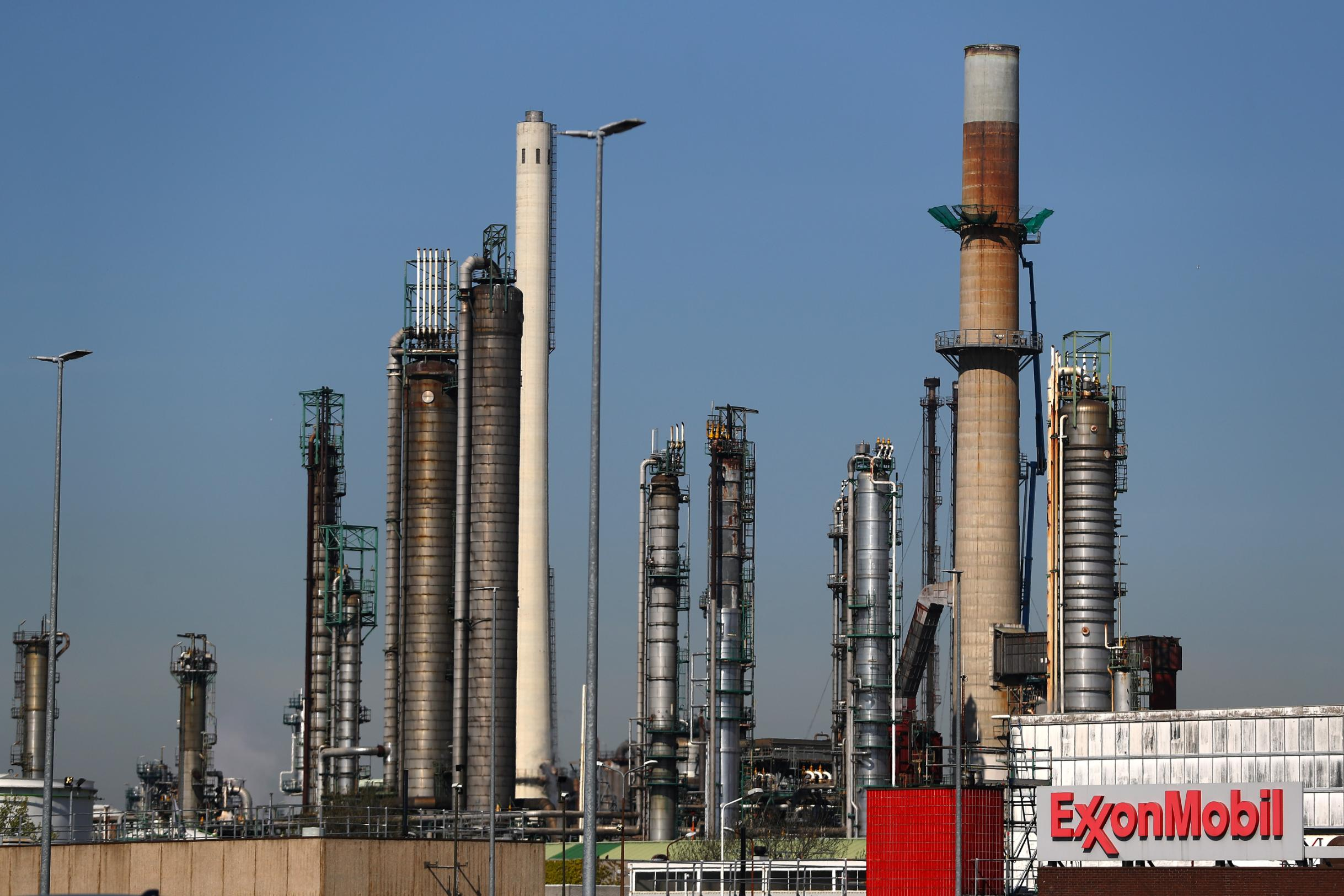 Exxon's exit means there's just one oil company left in the Dow