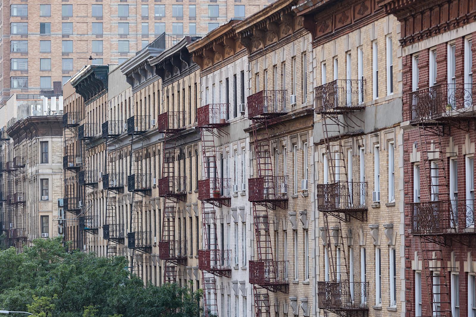 Manhattan apartment sales hit a 30-year high